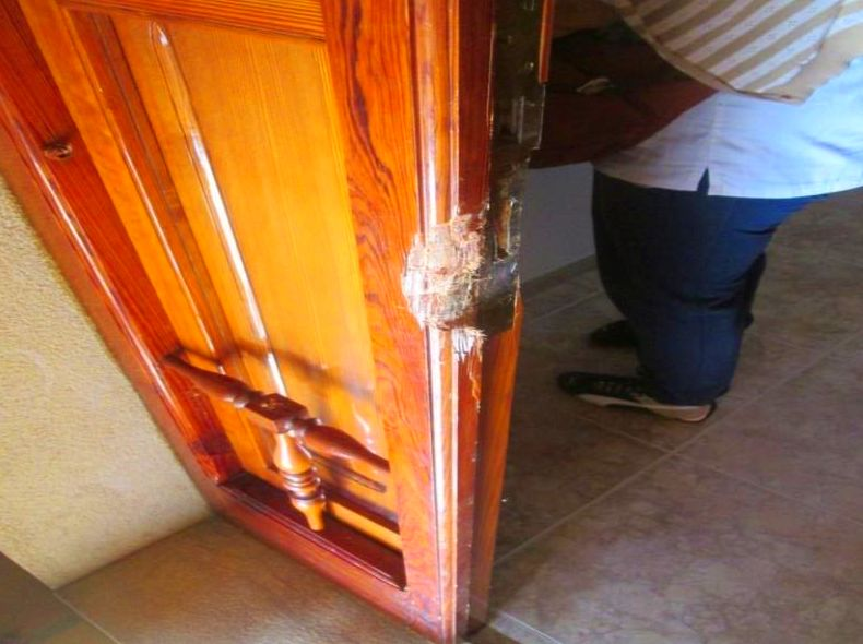 Arreglo Puerta de madera mobila vieja