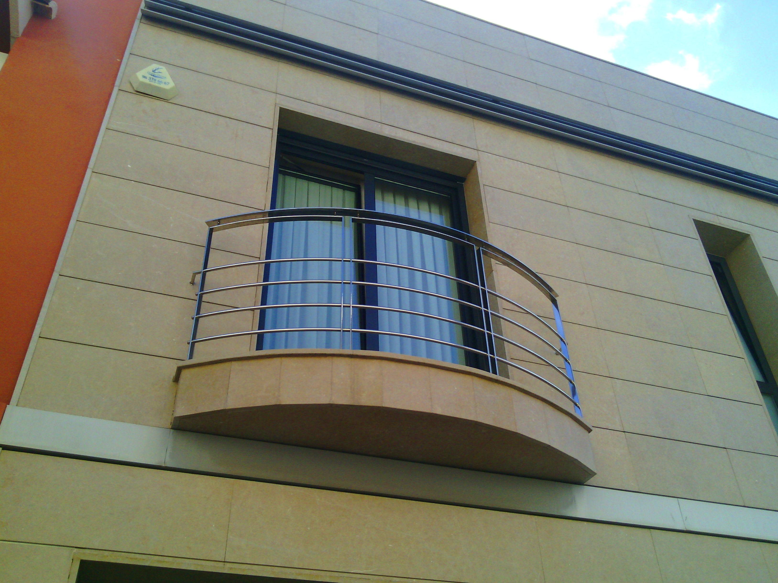 Barandilla de balcón de acero inoxidable curvo