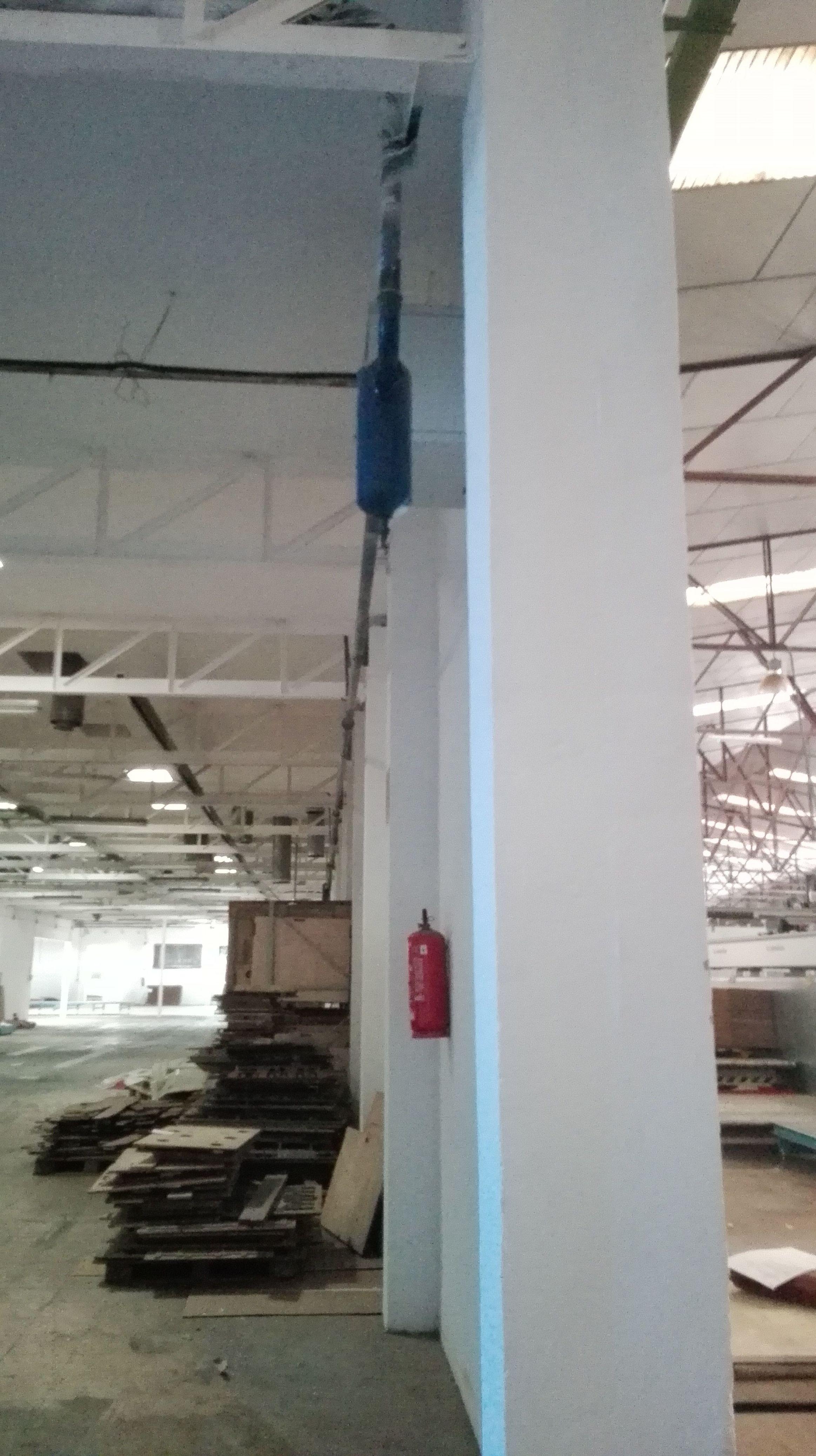 Preparación de hueco para instalación de puerta corredera cortafuegos