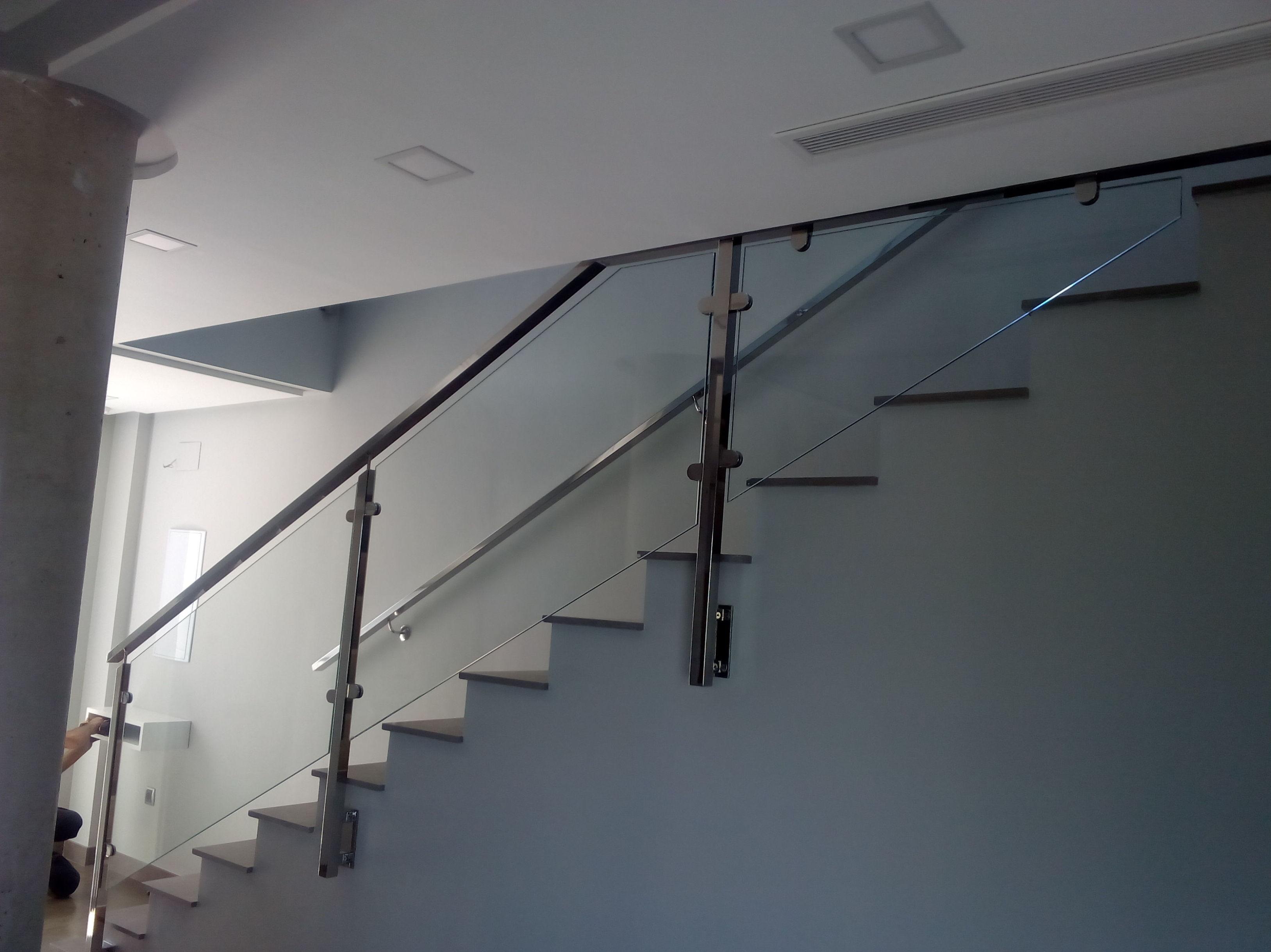 Barandilla de acero inoxidable escalera