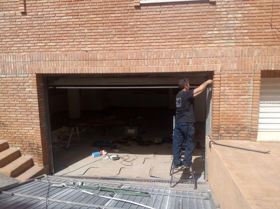 Montaje puerta seccional automática