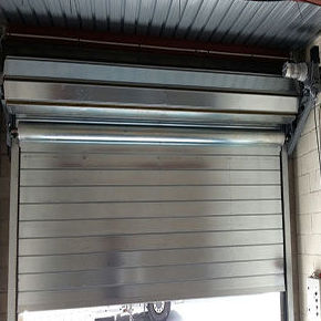Puerta enrollable automática cortafuegos