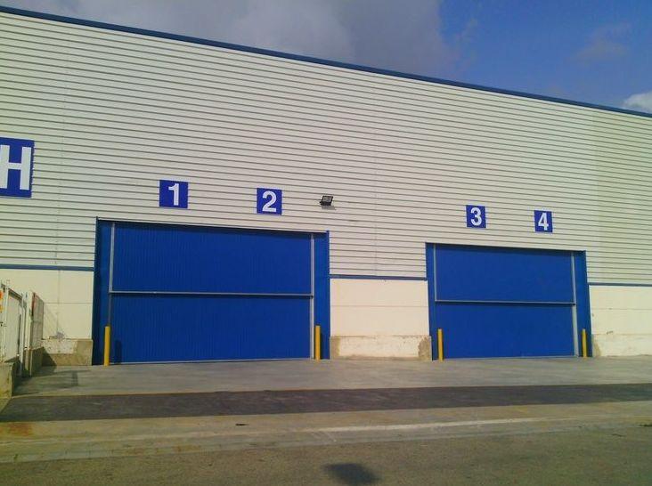 Puertas met licas especiales grandes dimensiones for Catalogo puertas metalicas