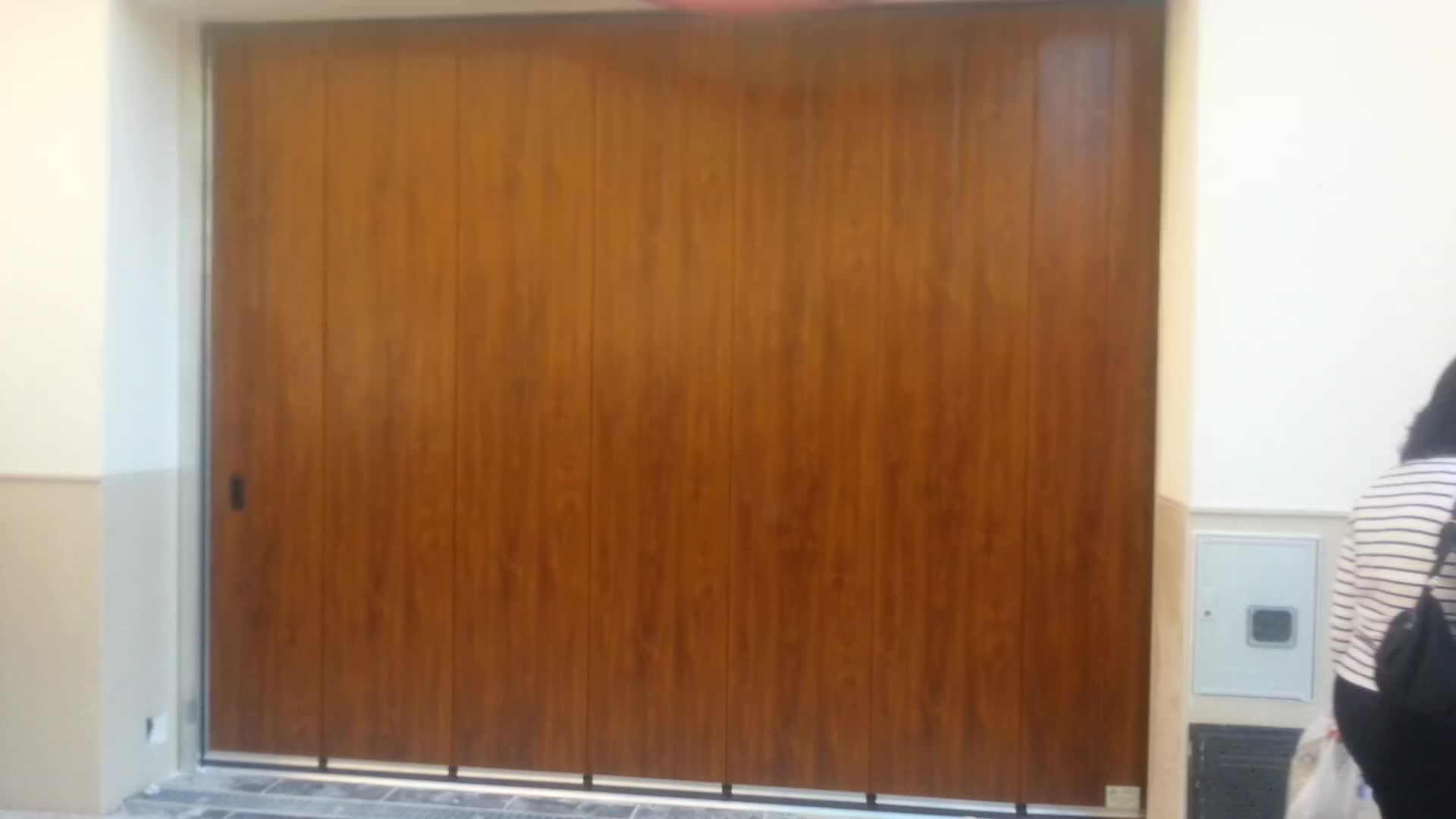 Puerta Seccional Corredera Lateral Automática }}