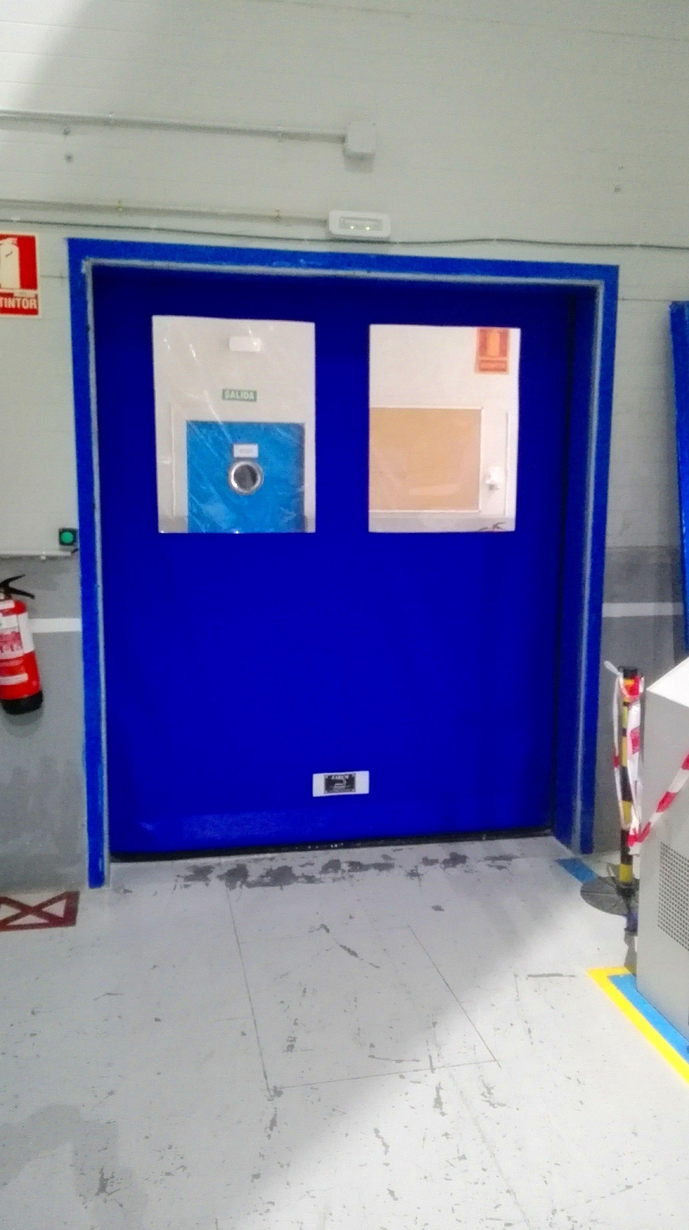 Puerta rápida enrollable autofull autorreparable Faremgies lazos apertura magnéticos