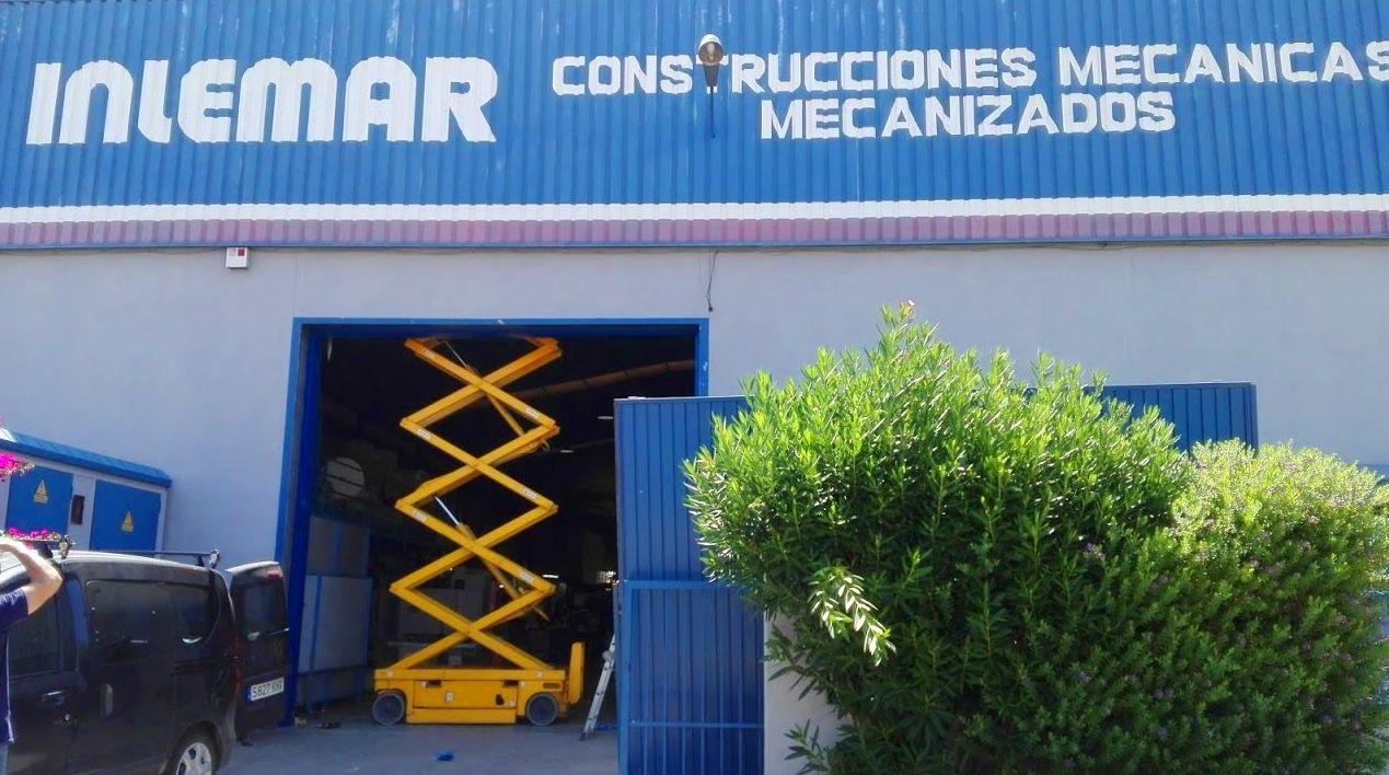 Elevador para montaje de Puerta guillotina industrial