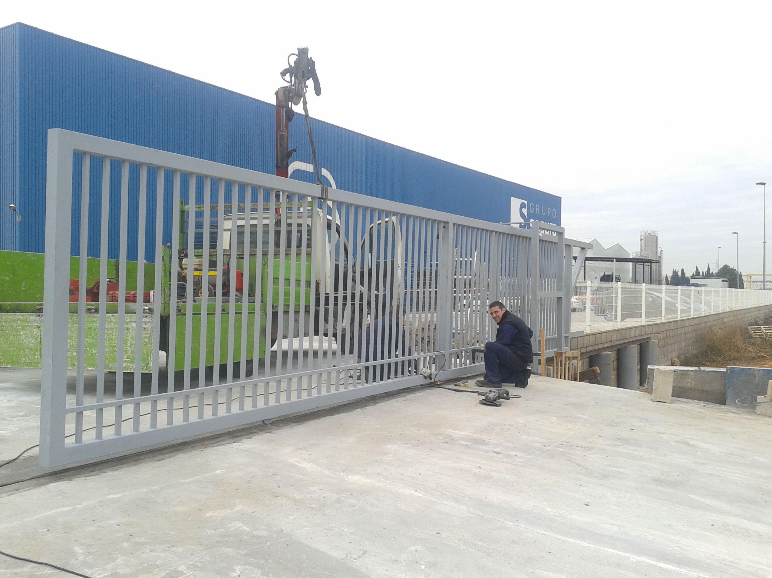 Puerta cancela corredera de Barrotes industrial