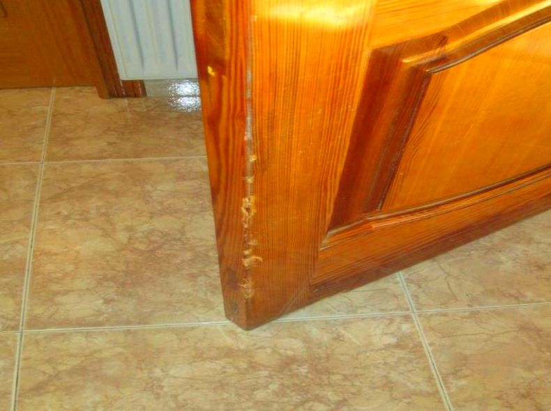 Arreglo Marco Puerta  madera mobila