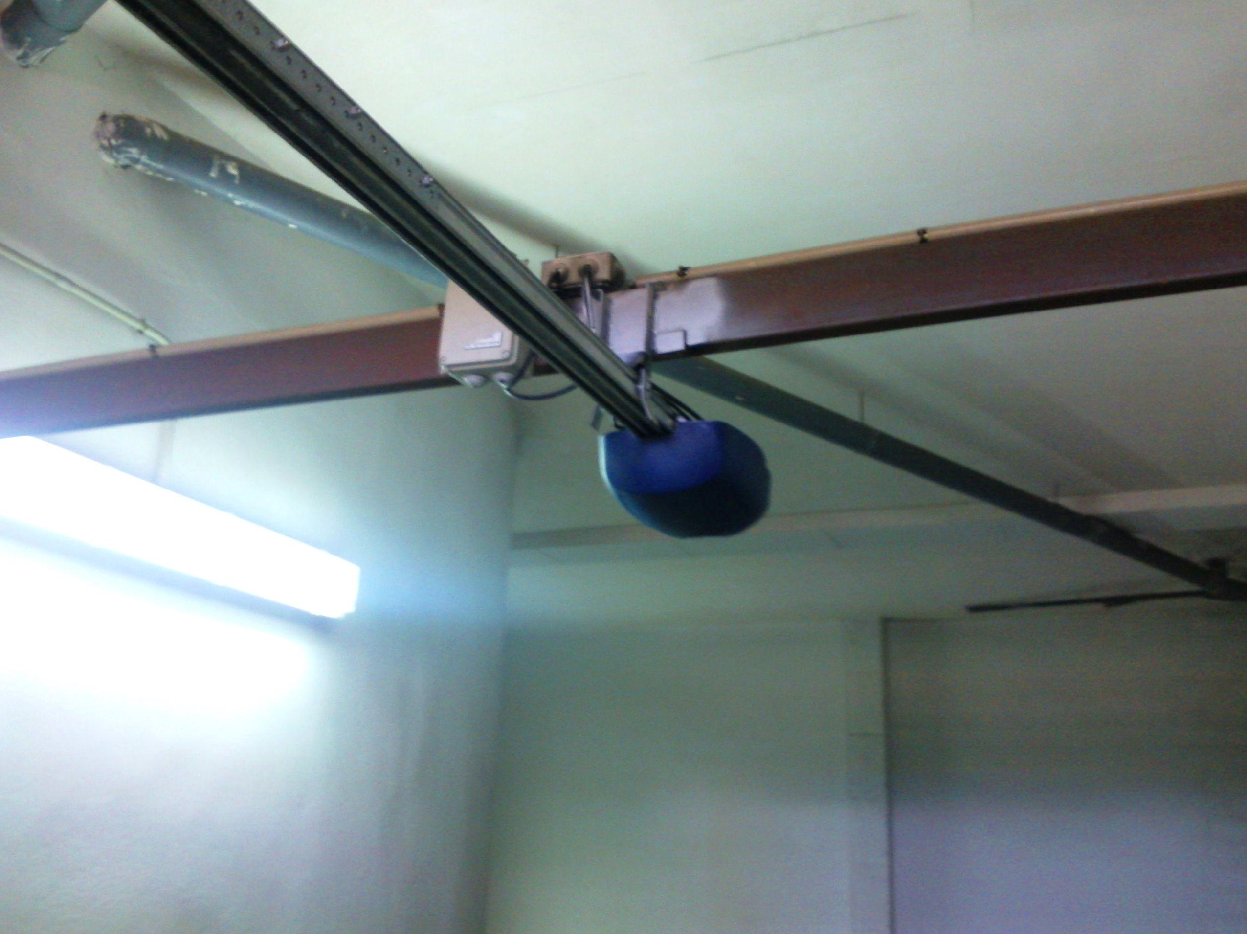 Motor de techo de puerta basculante y seccional