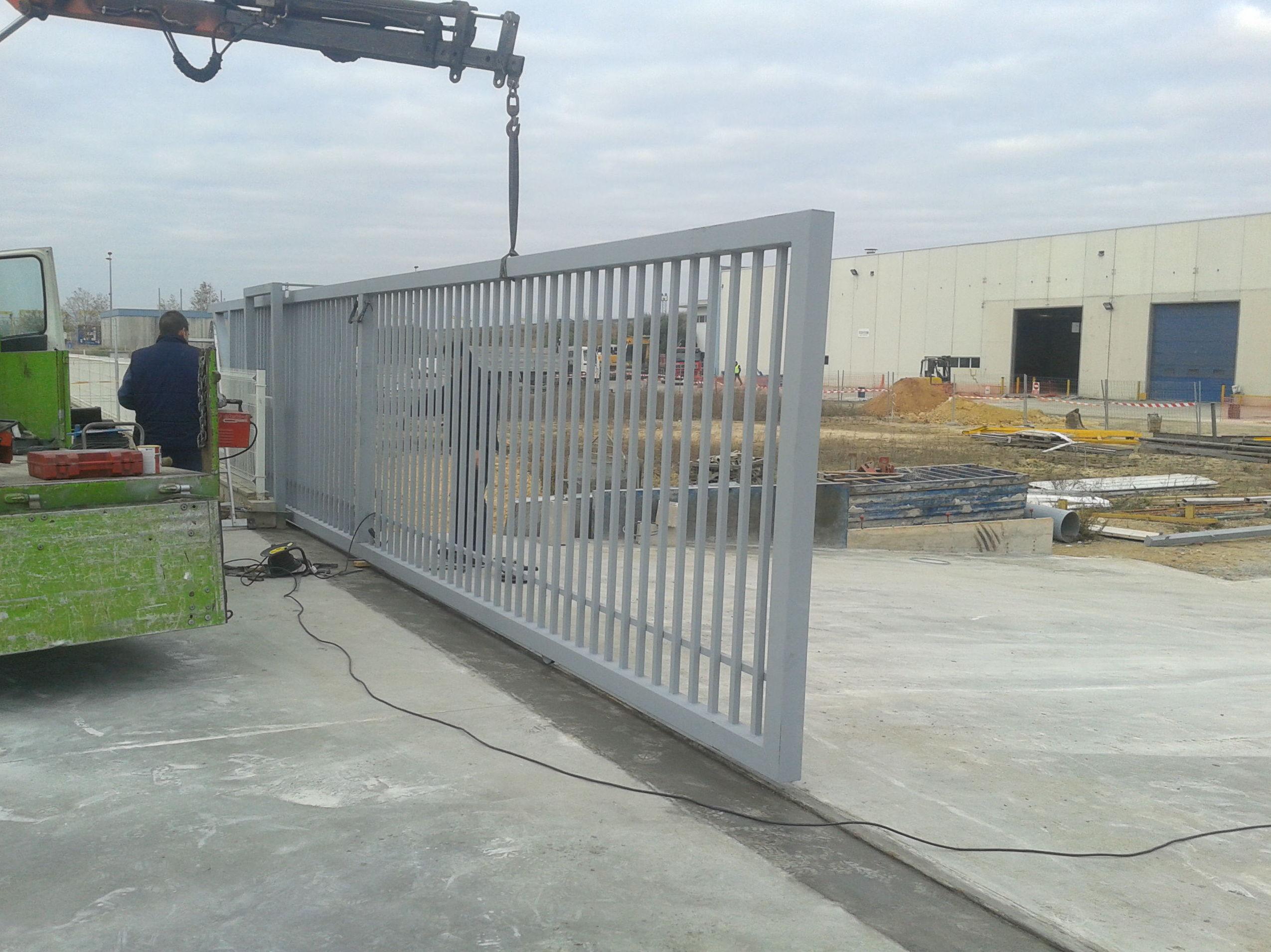 Puerta cancela corredera de Barrotes de 10 metros