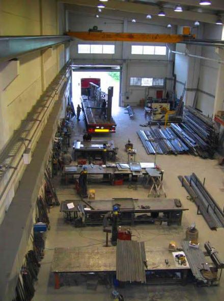 fabricación de puertas metálicas manuales y automáticas