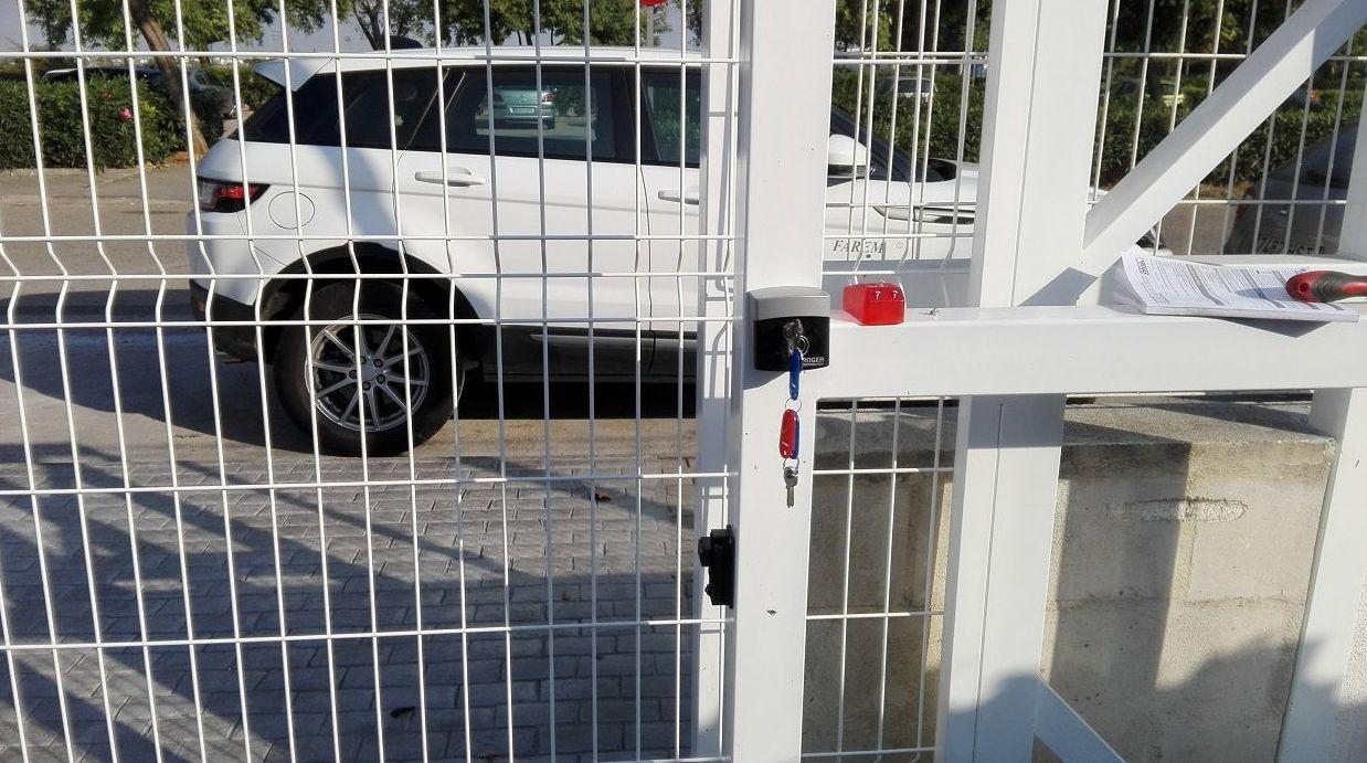 Motorización de puerta corredera apertura hombre presente en Picassent