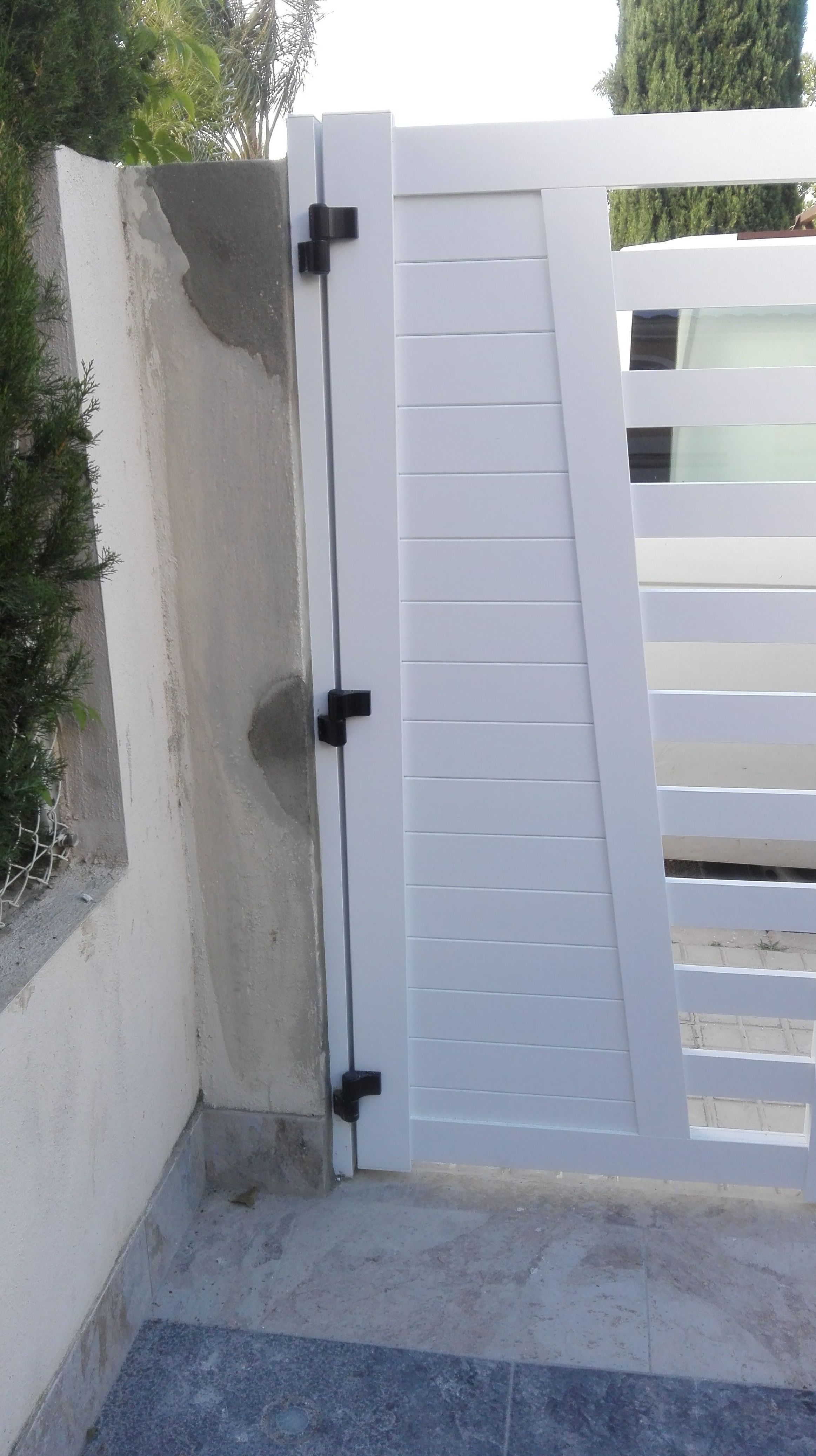 Puertas y Valla de Parcela de Alumino Blanco4 FAREM AGMA