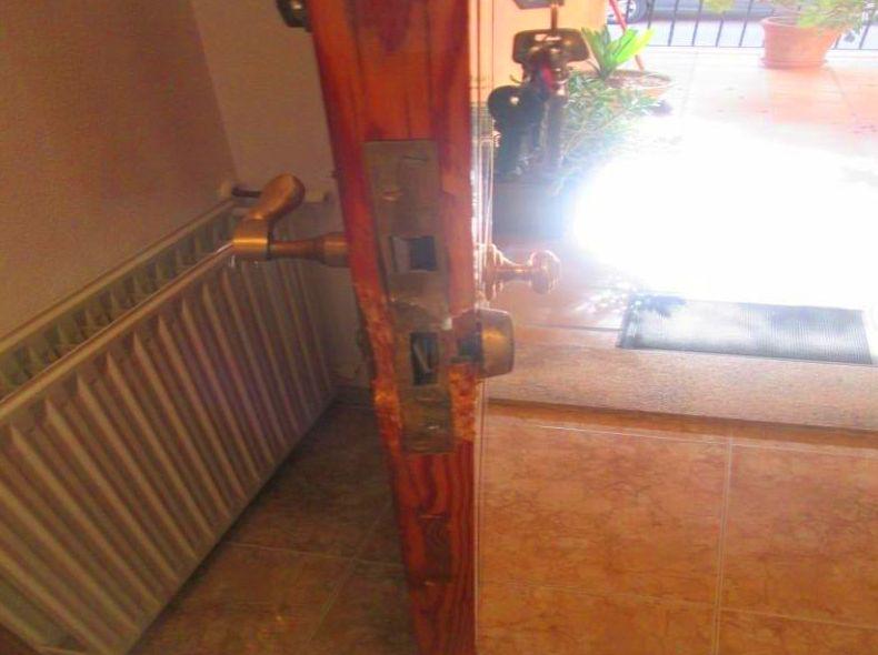 Arreglo Marco Puerta de madera mobila vieja