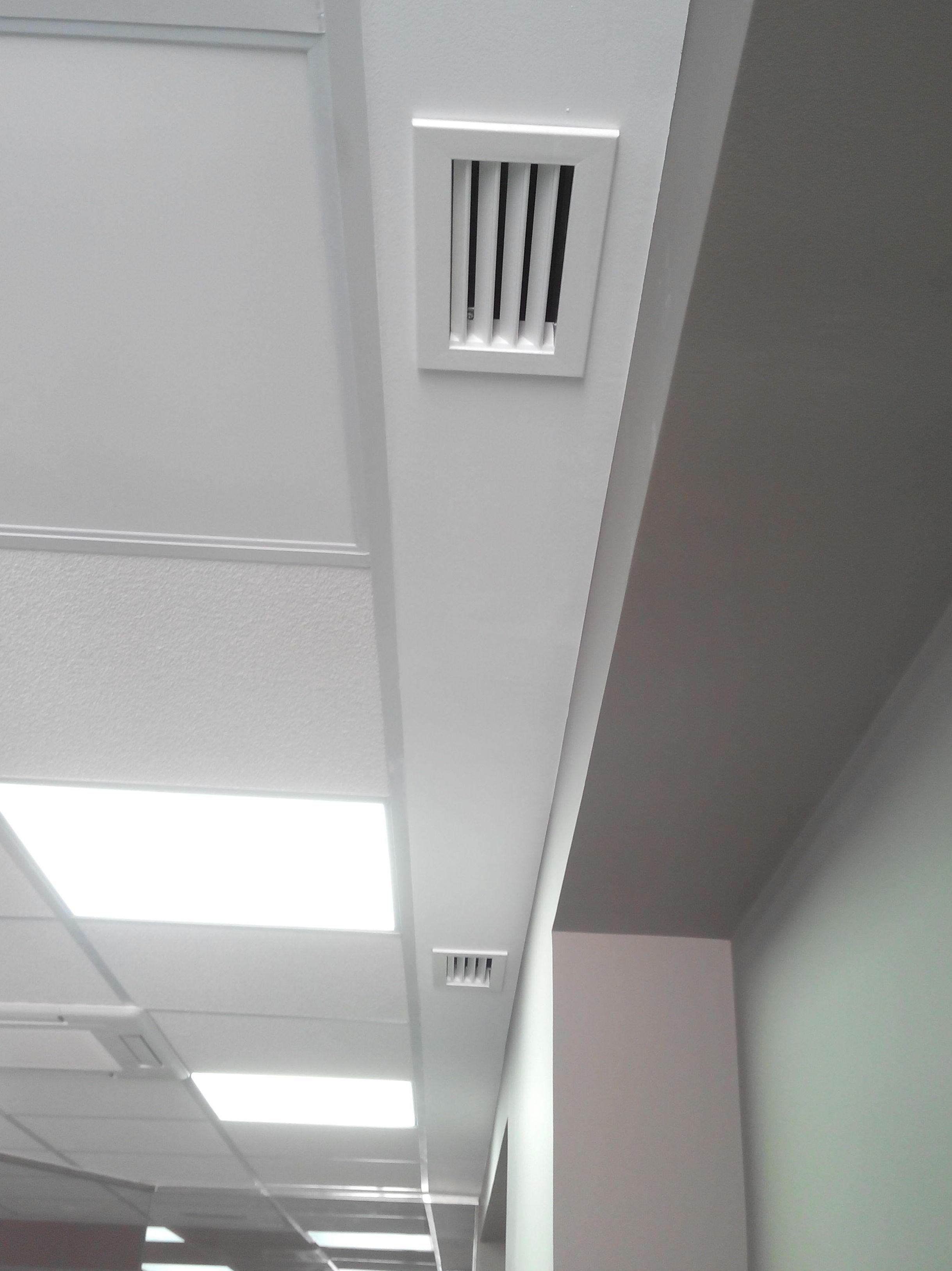 Renovación de aire en oficina