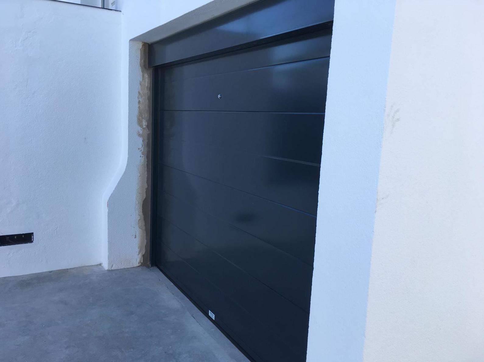 Foto 2 de Puertas de garaje en  | Portaloy