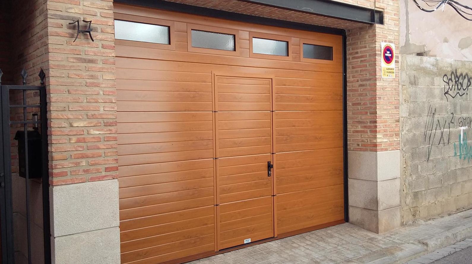 Foto 12 de Puertas de garaje en  | Portaloy