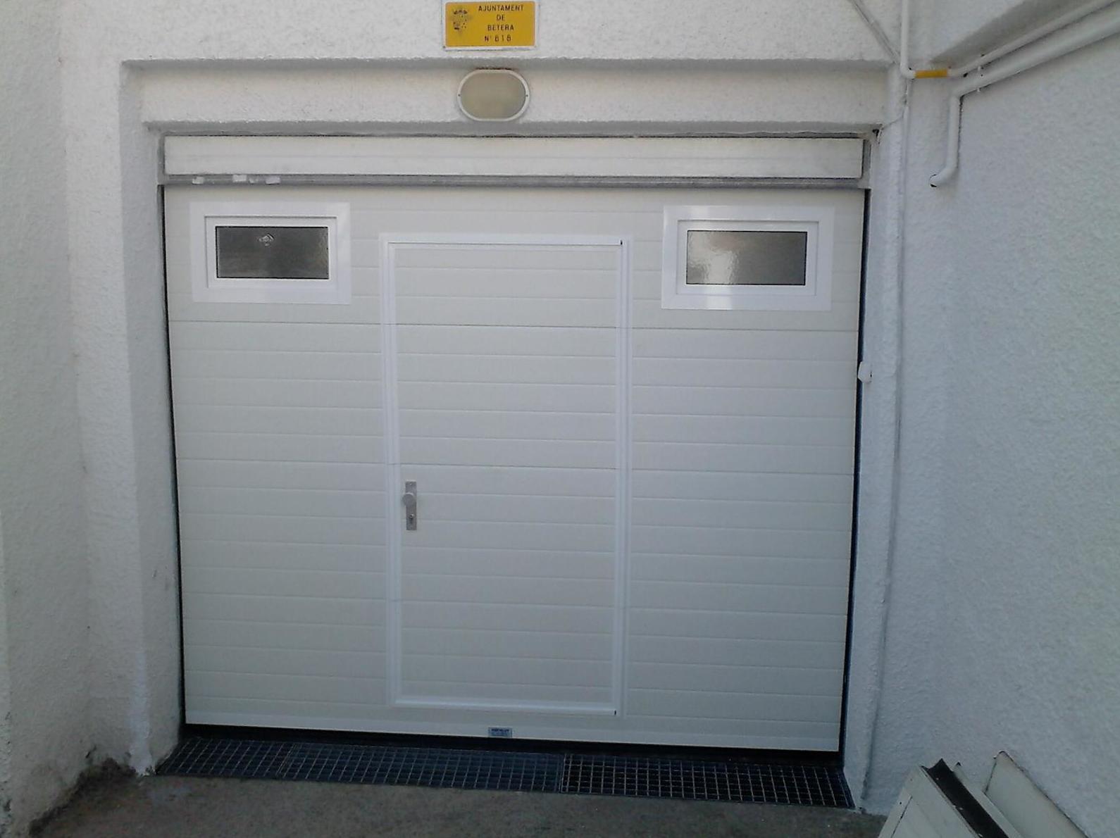 Foto 22 de Puertas de garaje en  | Portaloy