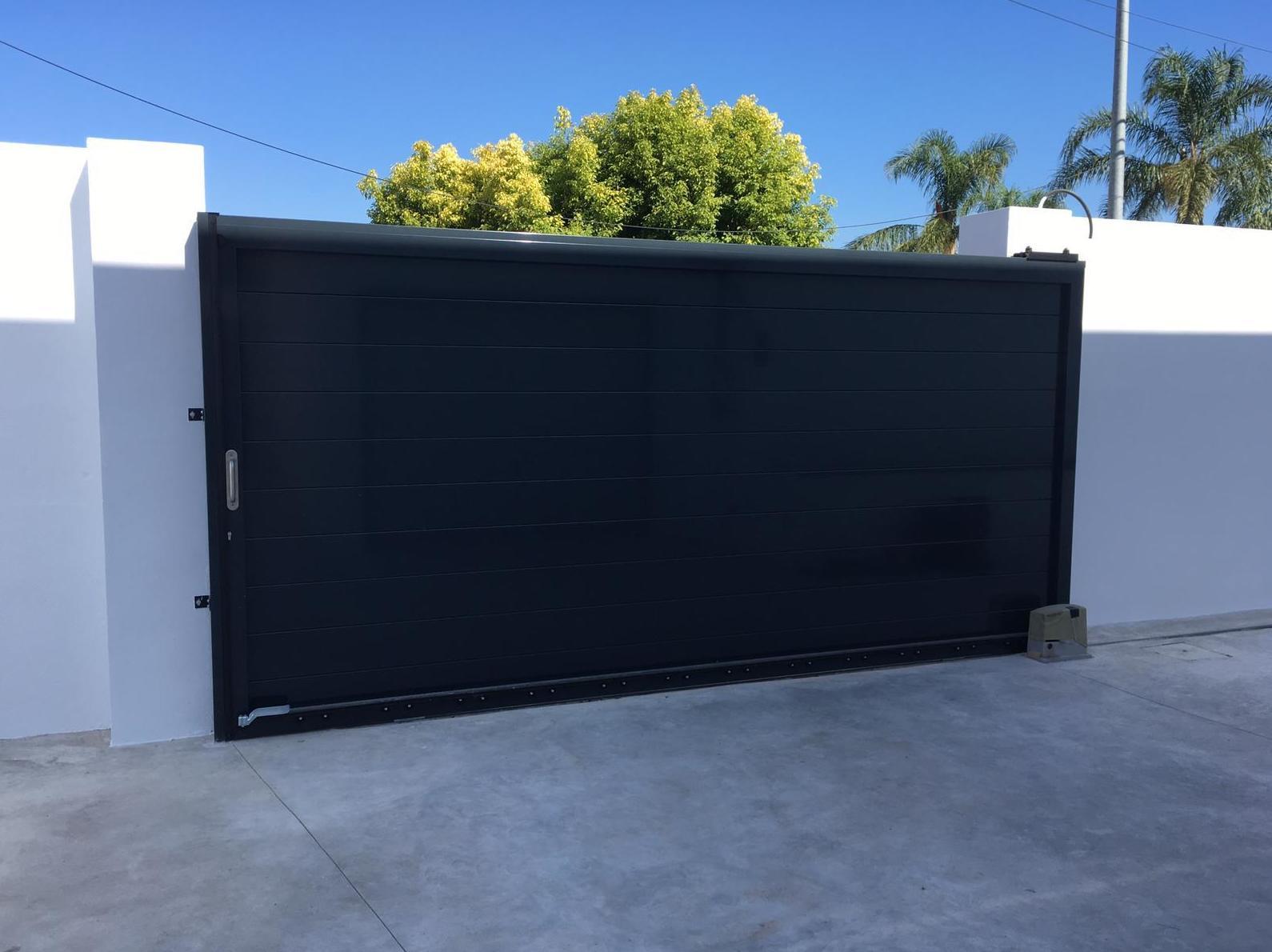 Foto 16 de Puertas de garaje en  | Portaloy