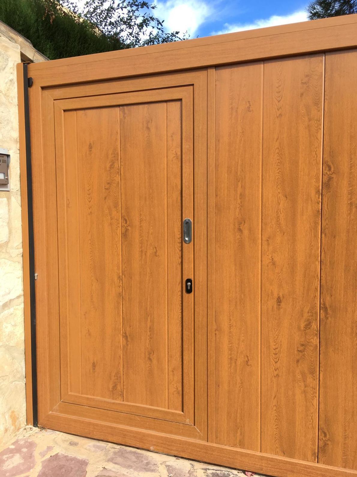 Foto 6 de Puertas de garaje en  | Portaloy