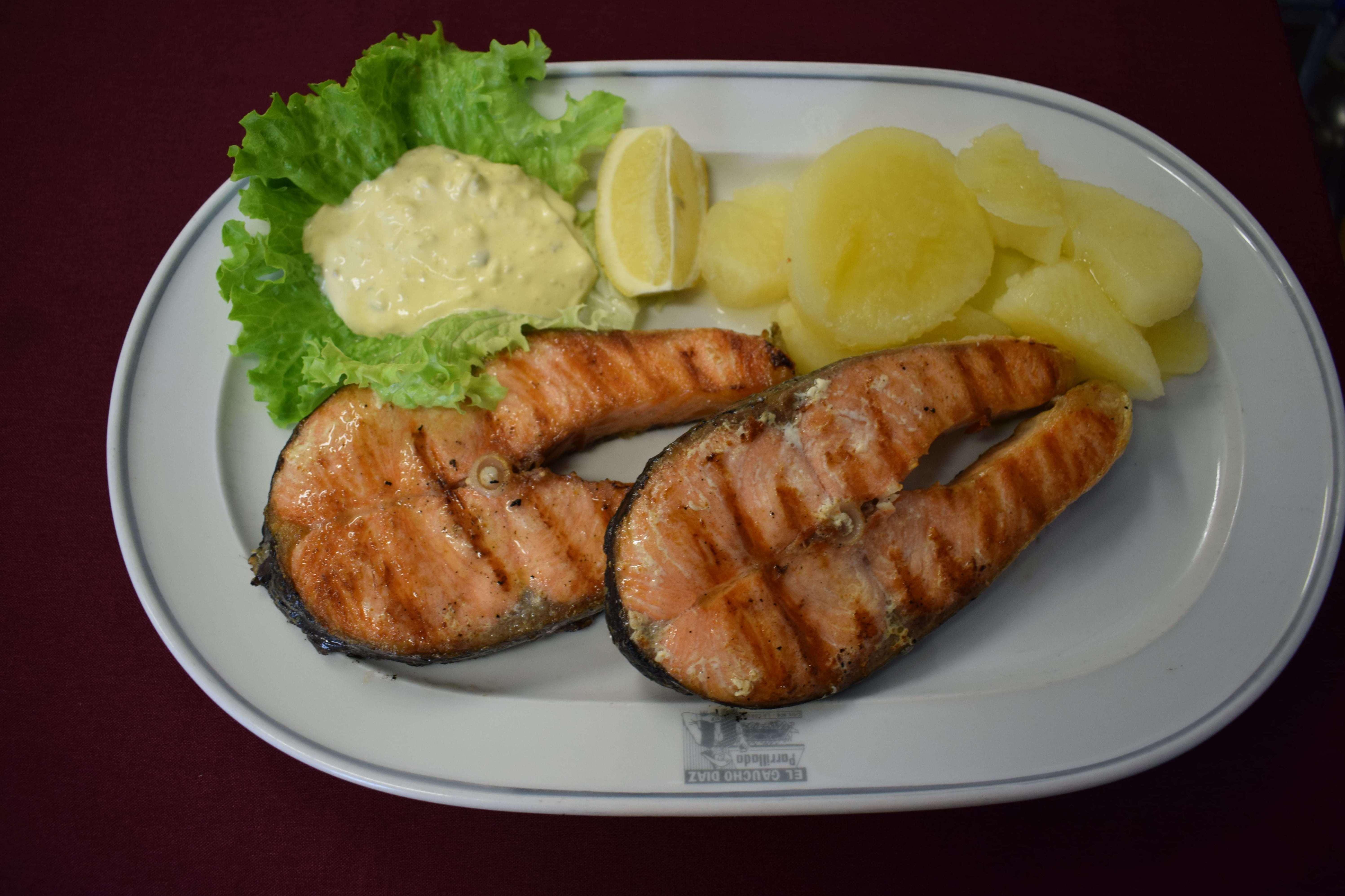 Salmon a la Brasa