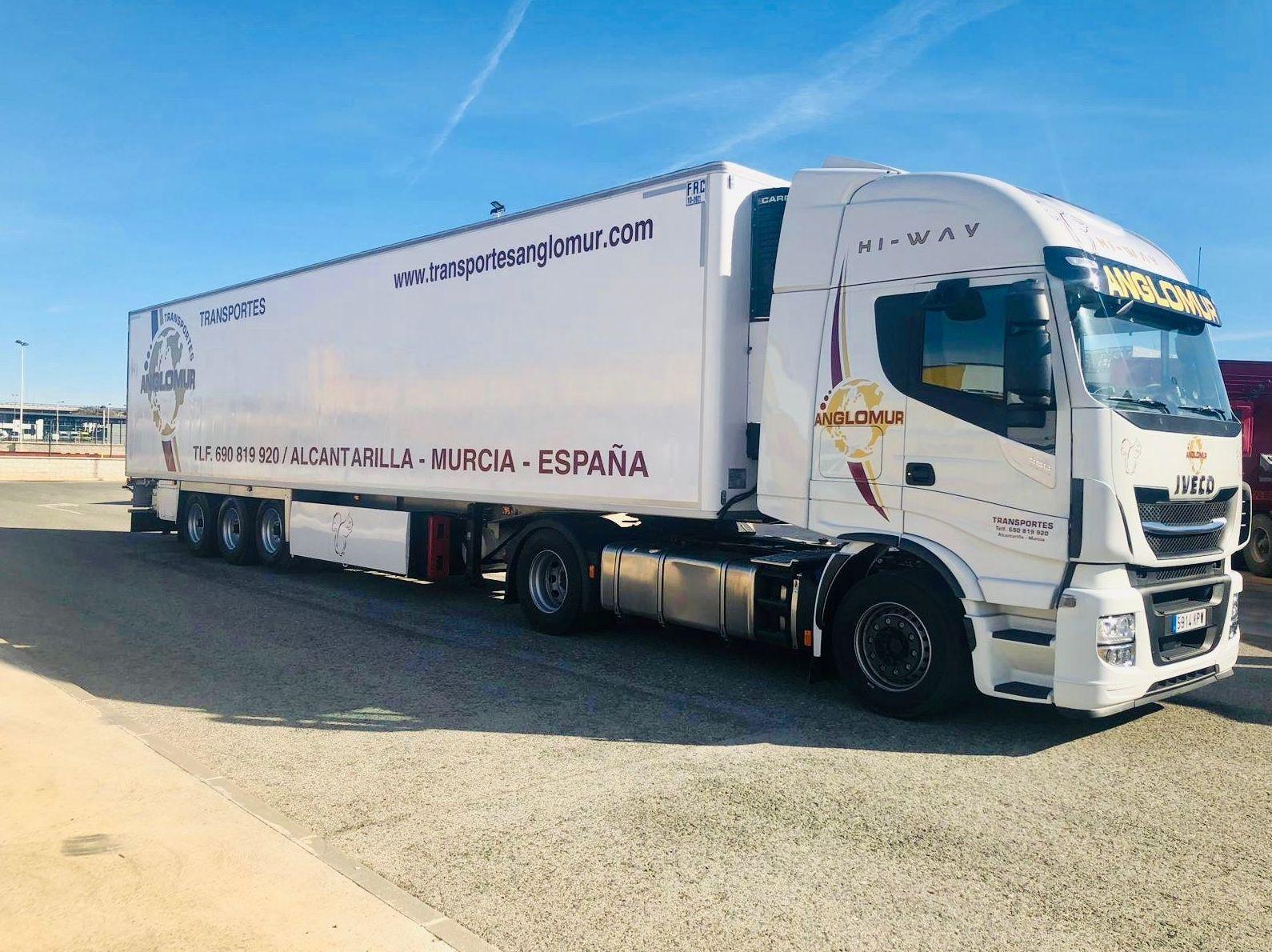 Transporte nacional de mercancías: Transporte de Mercancías de Transportes Anglomur, S.L.