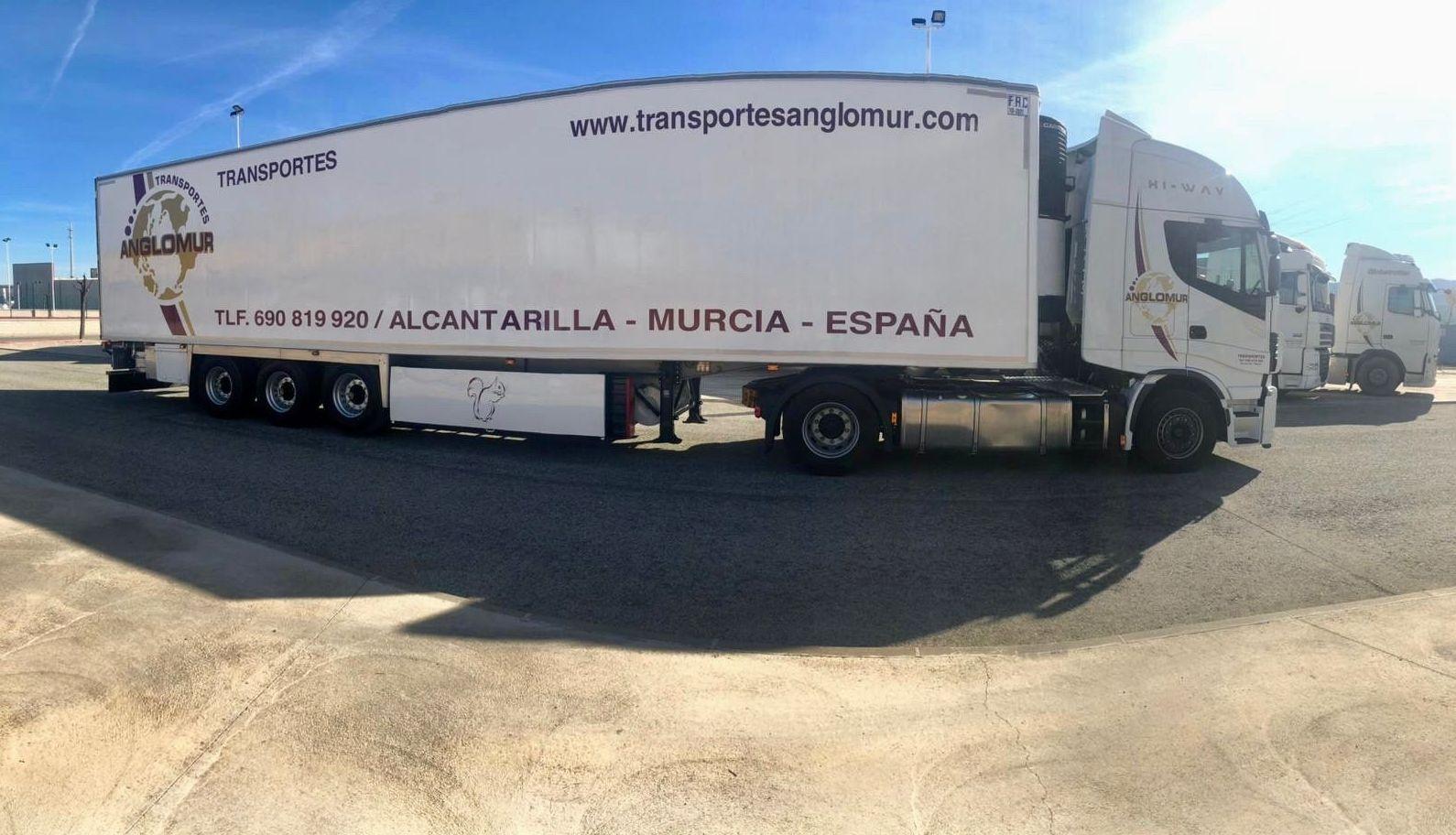 Foto 4 de Transporte de mercancías por carretera en Alcantarilla   Transportes Anglomur, S.L.