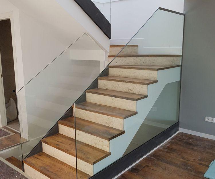 Barandillas para escaleras con todo tipo de cristales
