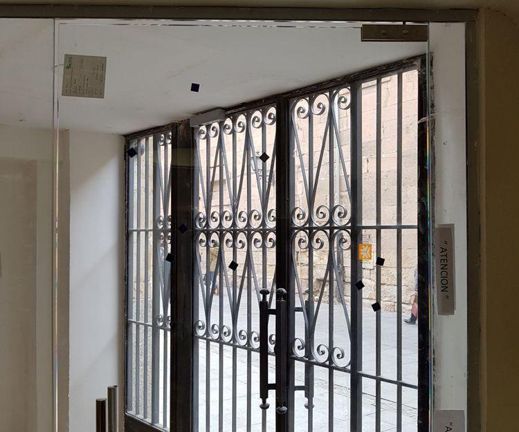 Puertas de acceso de cristal
