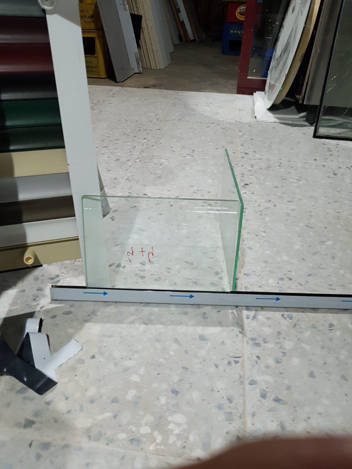Foto 10 de Expertos en cristalería en Nava de Sotrobal | J.García Cristalerías
