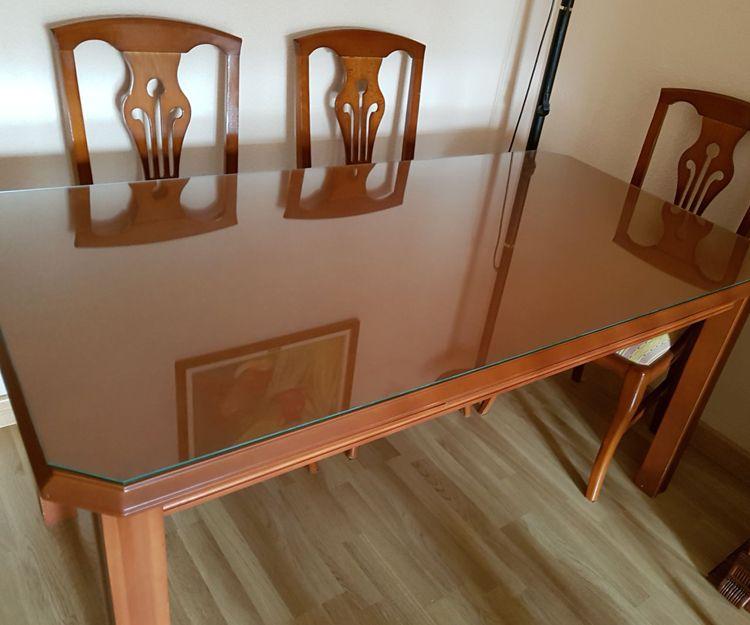 Instalación de cristal para mesas