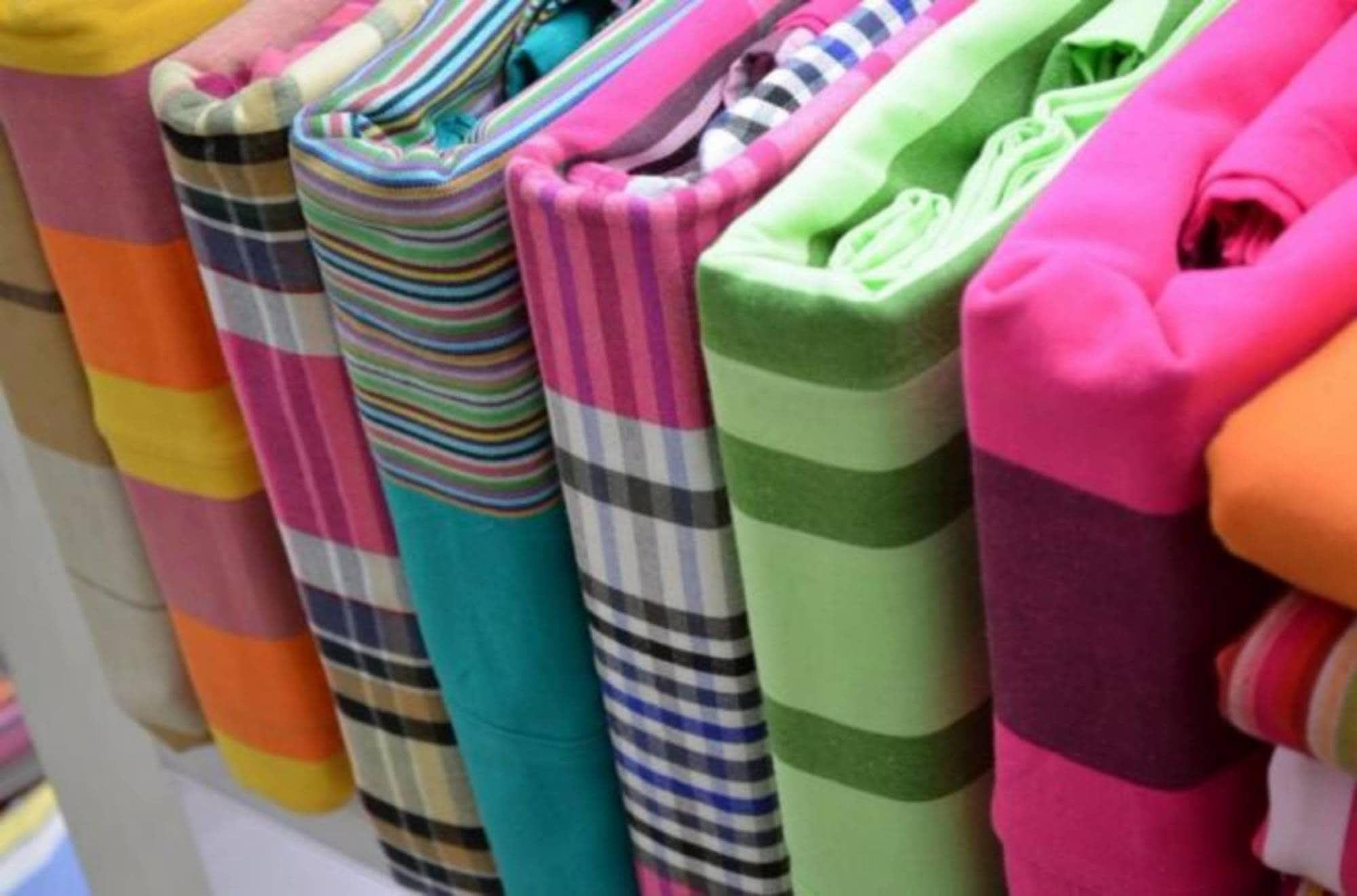 Tintes de ropa: Servicios que ofrecemos de Tintorería Almeda