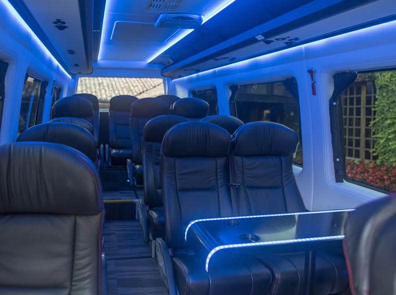 Interior de nuestro minibus