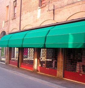 Instalación de toldos de capota en Madrid