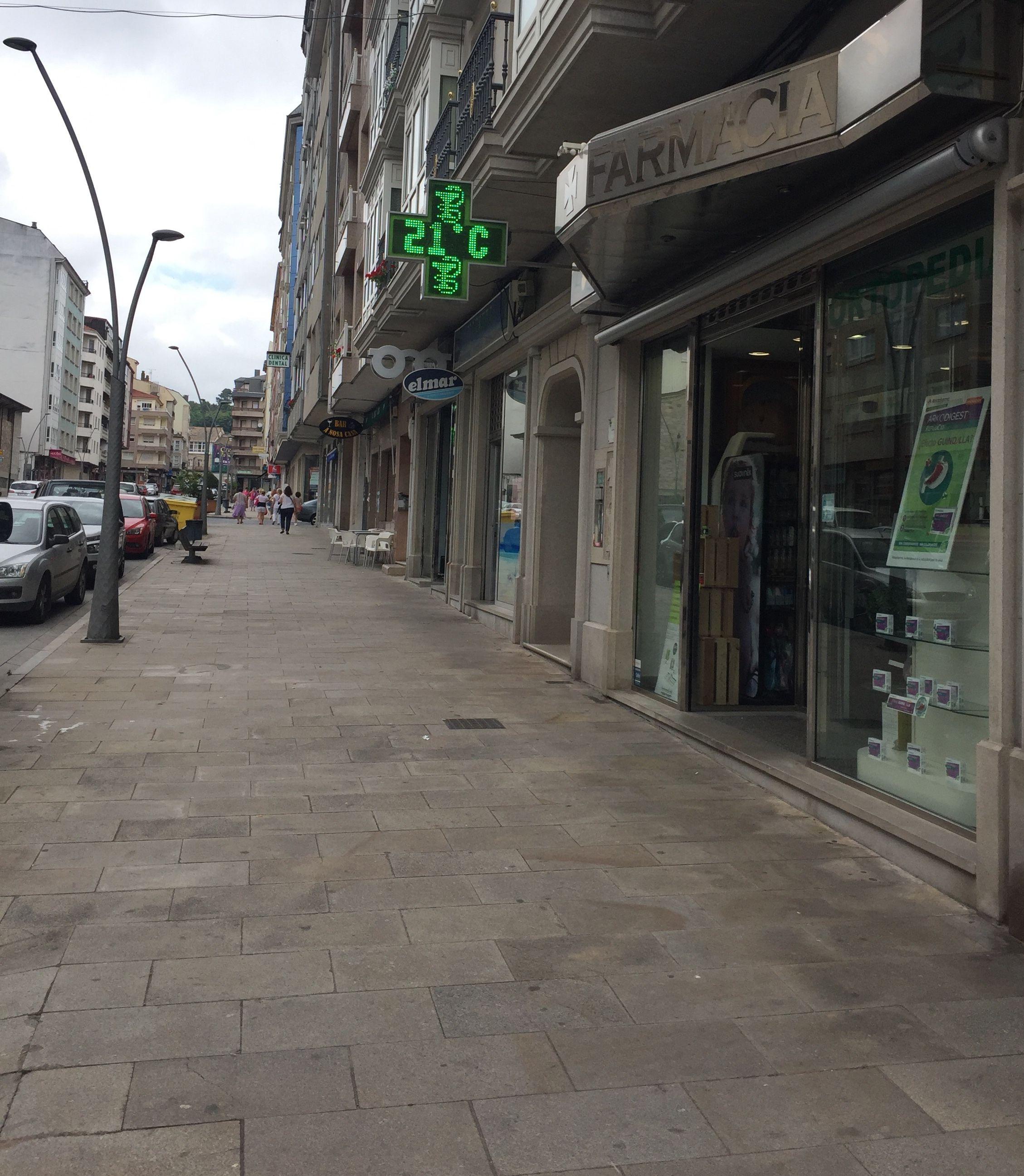 Farmacia con productos de dermoestética en Chantada