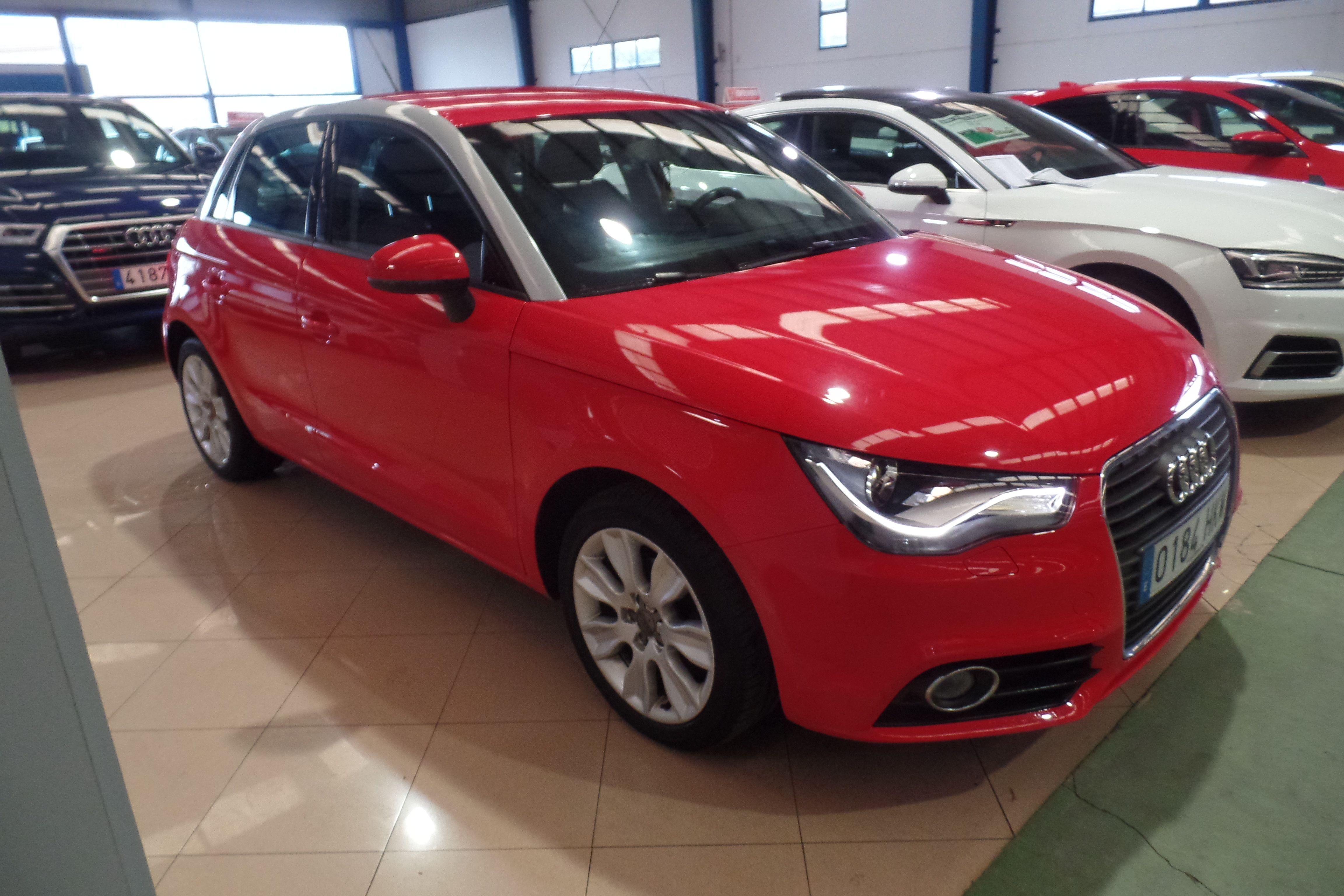 AUDI A1 Sportback 1.6 TDI 90cv S tronic Ambition (0184-HKM): Servicios Peugeot de Senra Sport