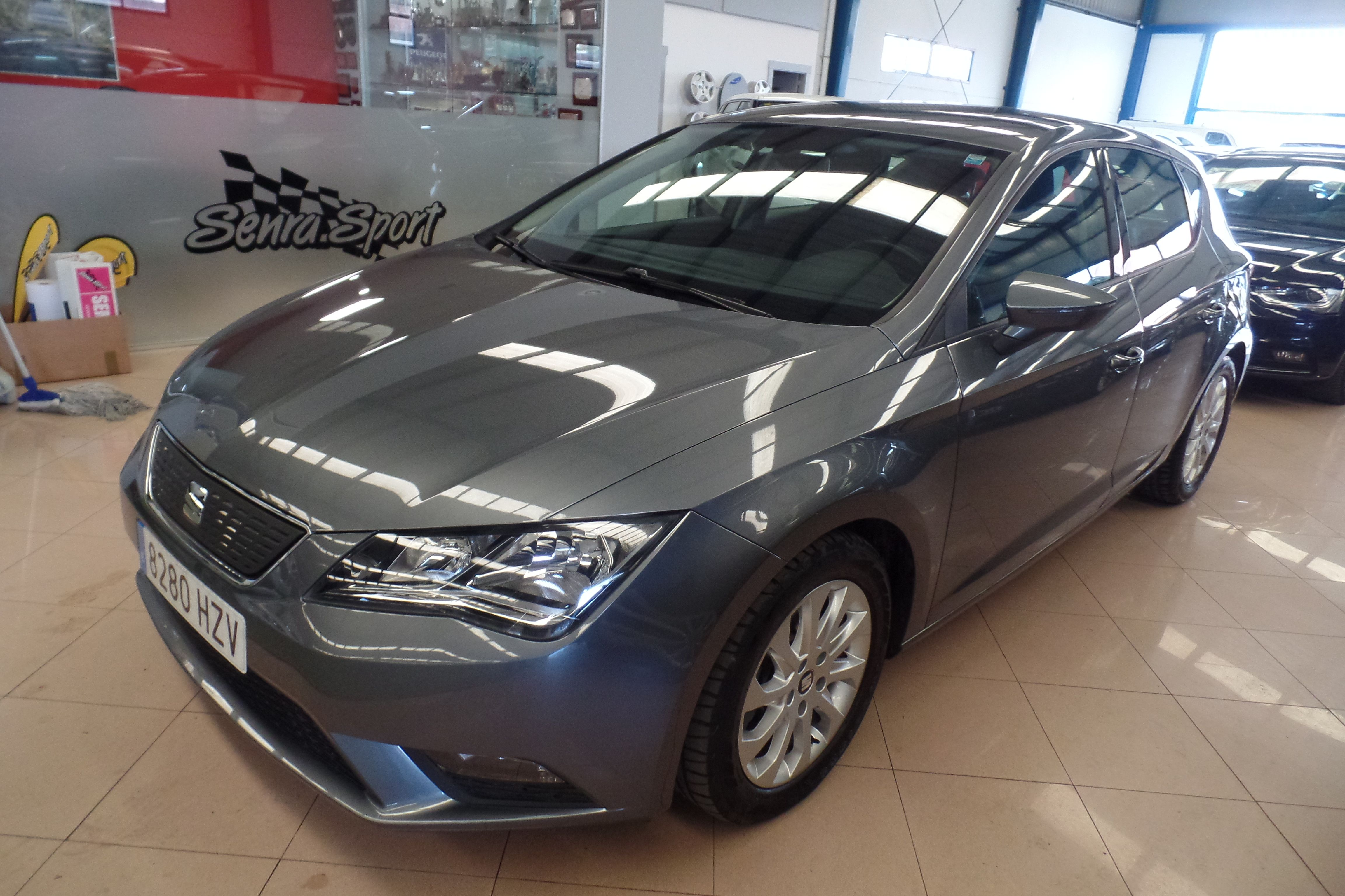 SEAT Leon 1.6 TDI 110cv StSp Style Ecomotive (8280-HZV): Servicios Peugeot de Senra Sport