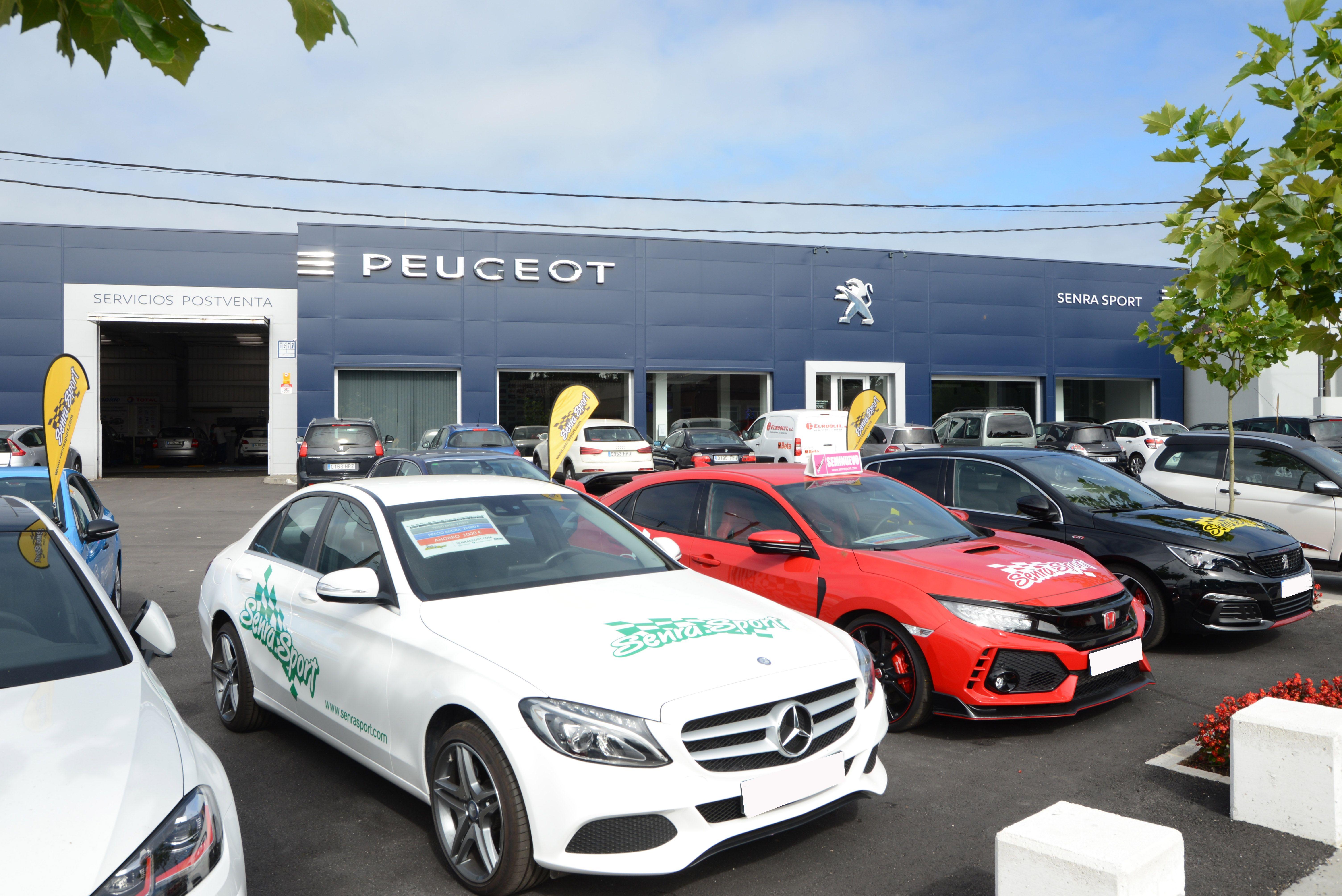 Exposición exterior vehículos Senra Sport