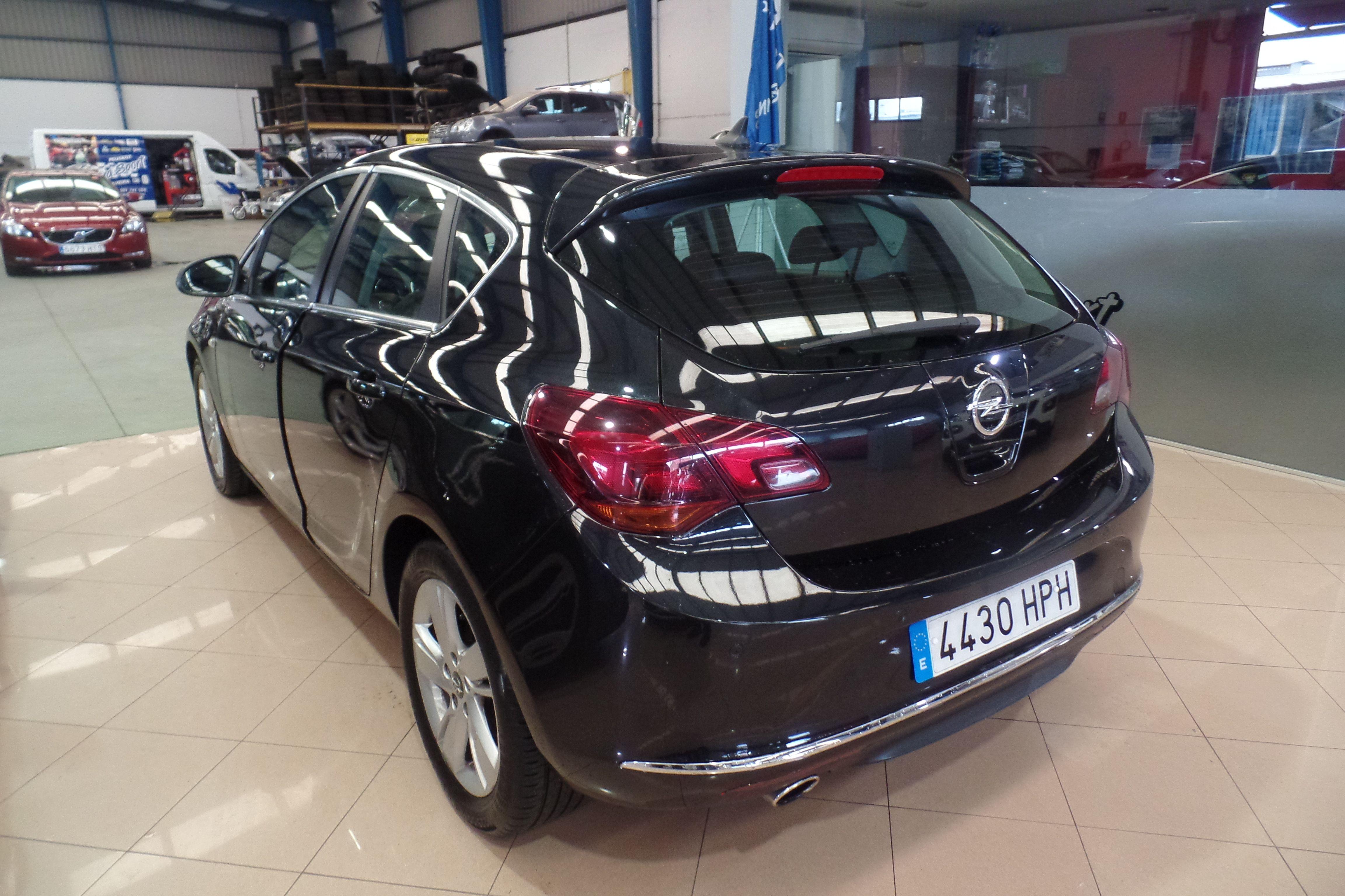 OPEL Astra 2.0 CDTi SS 165 CV Sportive (4430-HPH): Servicios Peugeot de Senra Sport