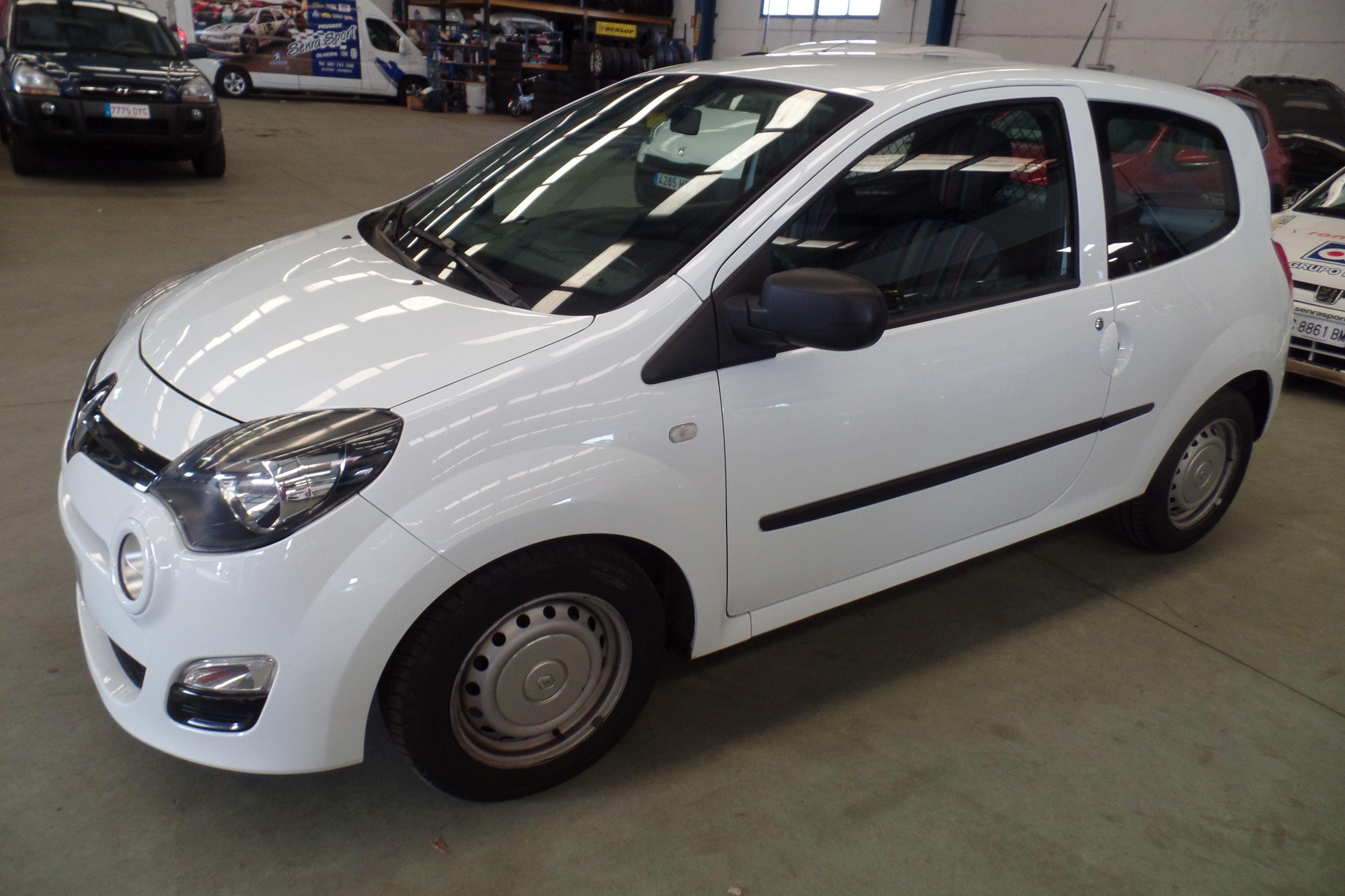 RENAULT Twingo Societe Fase2 dCi 75 E5 (1504-HKN): Servicios Peugeot de Senra Sport