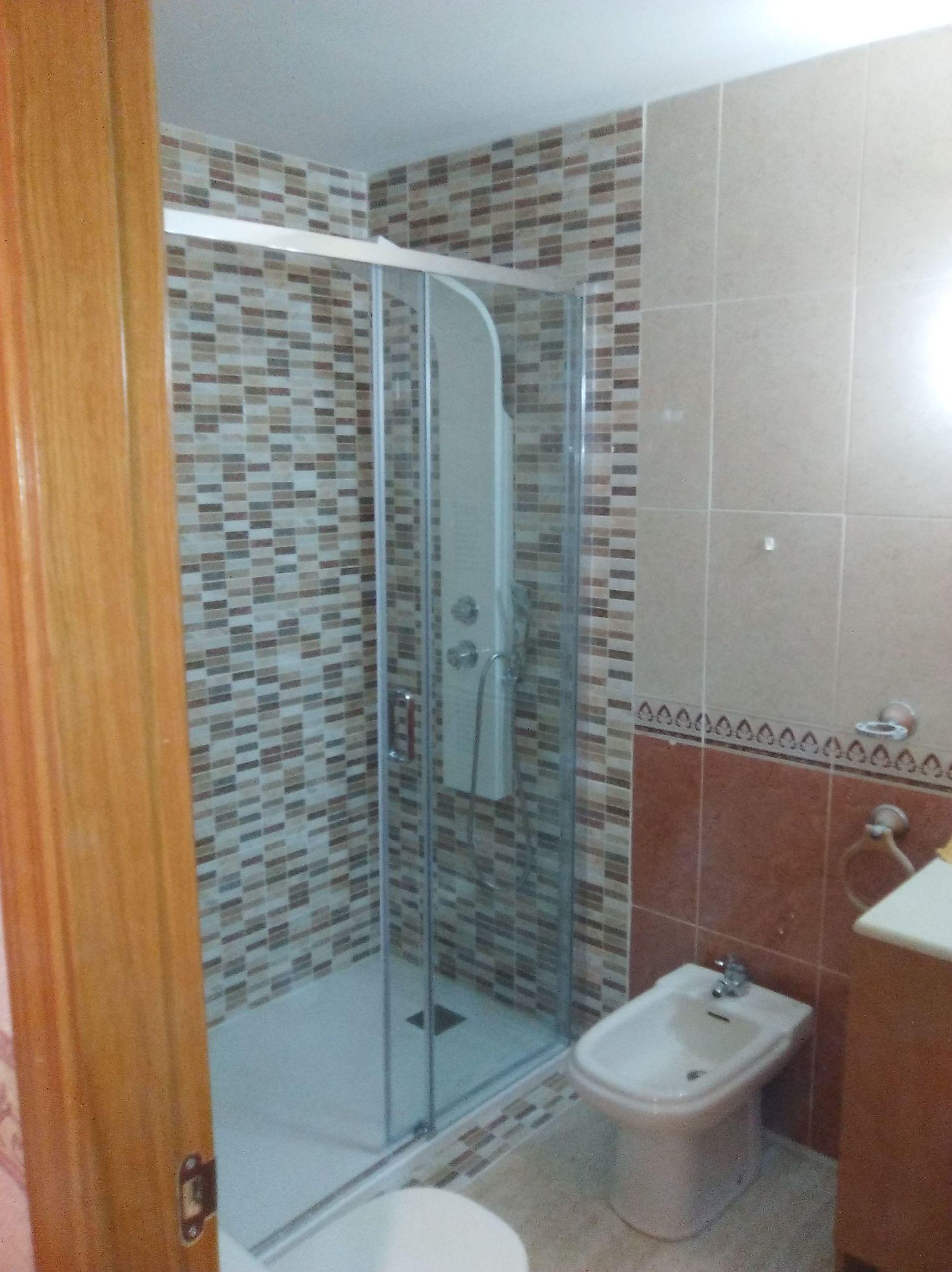 Foto 2 de Reformas de baños y cocinas en Zaragoza | REFORMAS BAÑO MODERNO