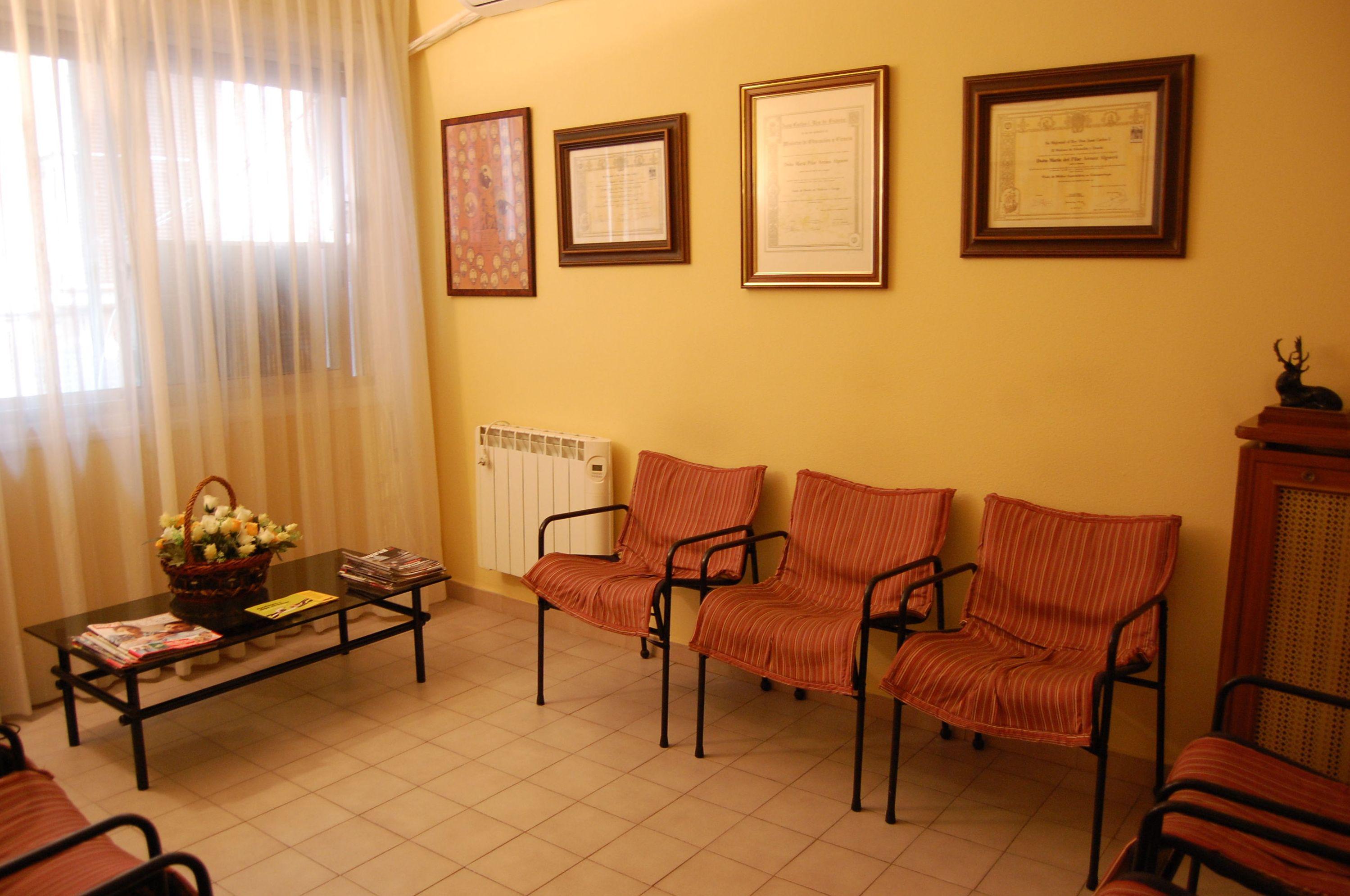 Sala de espera de la clínica dental en Zaragoza