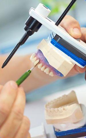 Implantología: Servicios de Ángel Dueñas Laboratorio Dental