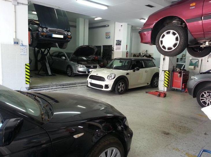 Servicio de cambios y embragues: Servicios  de Taller Mecánico Moreno Motor