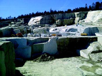 Foto 2 de Mármoles y granitos en Outeiro de Rei | Granitos Carballido