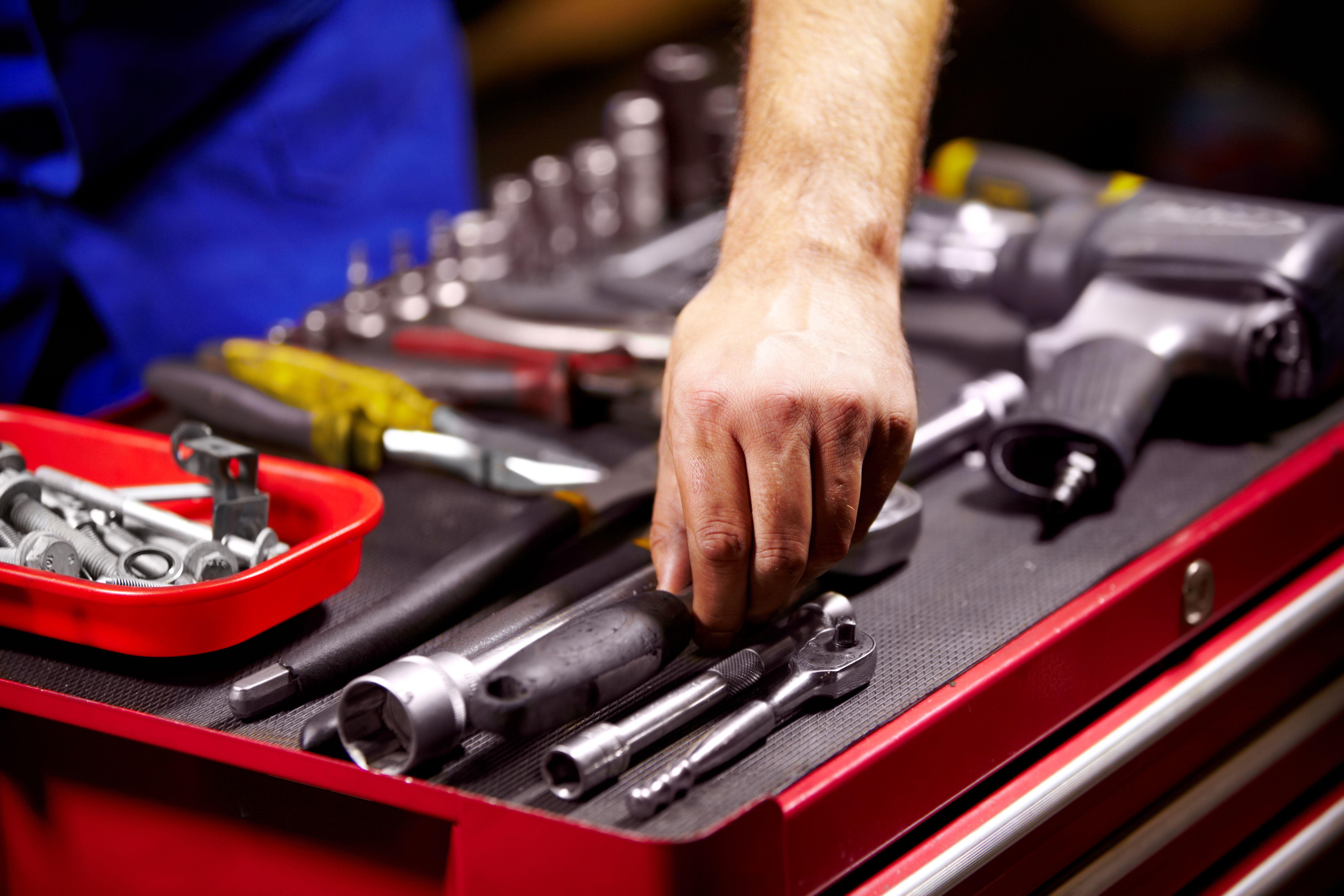 Profesionales de la mecánica en general
