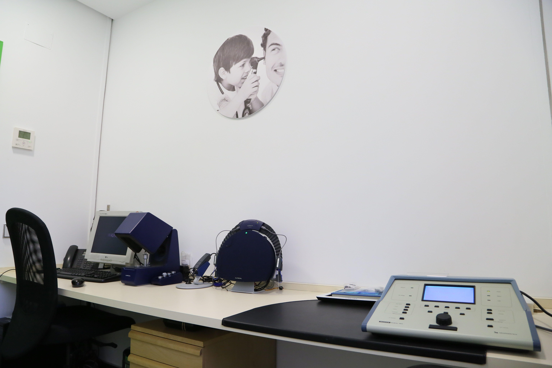 Foto 1 de Audífonos en Madrid | Audiología RV Alfa