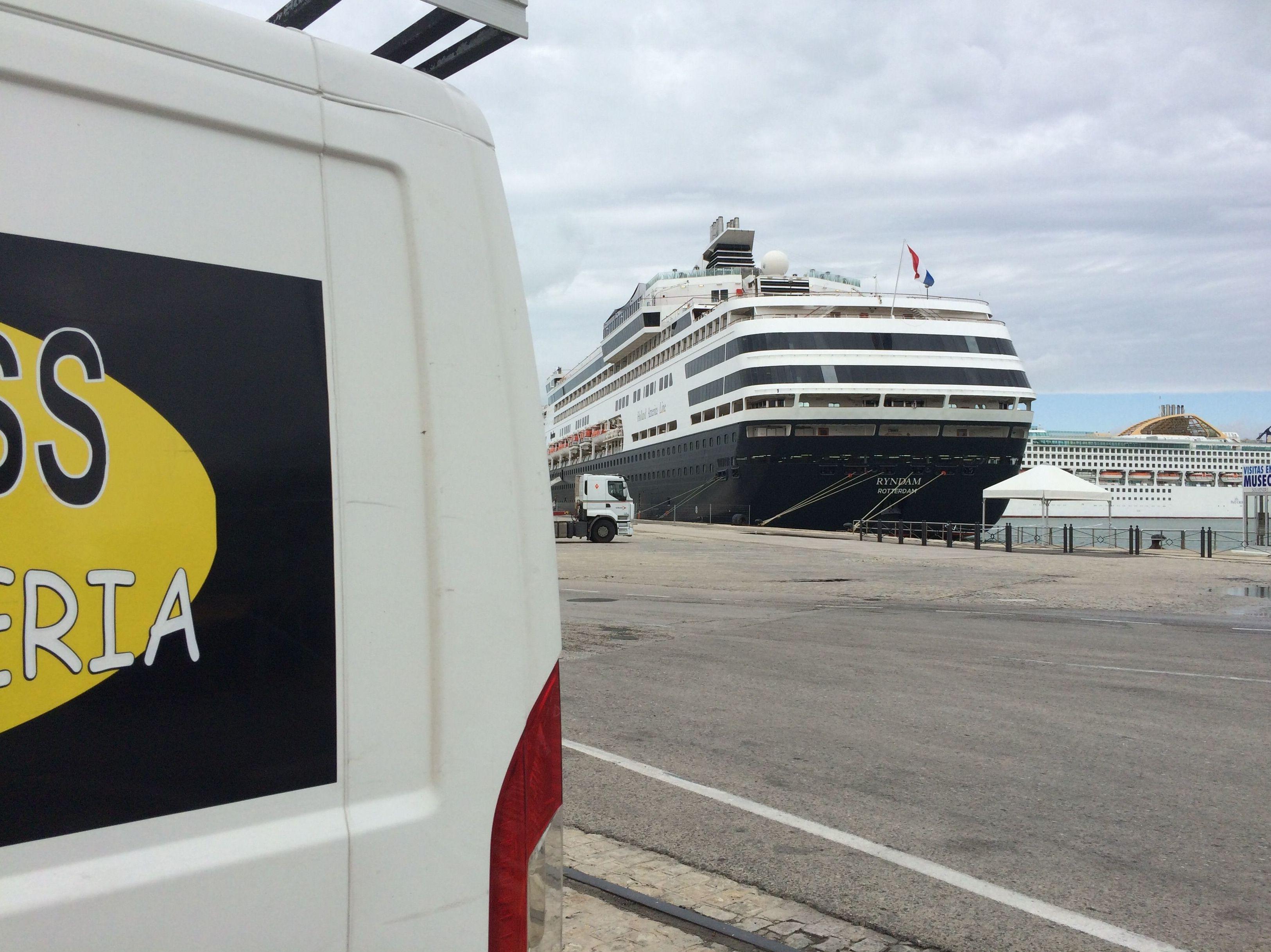 Servicio en puerto de Cádiz