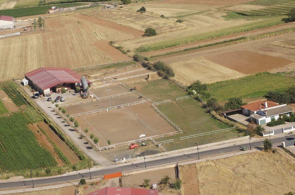 Instalaciones: Servicios e Instalaciones de C. D. Ecuestre Yeguada Andrés Molina
