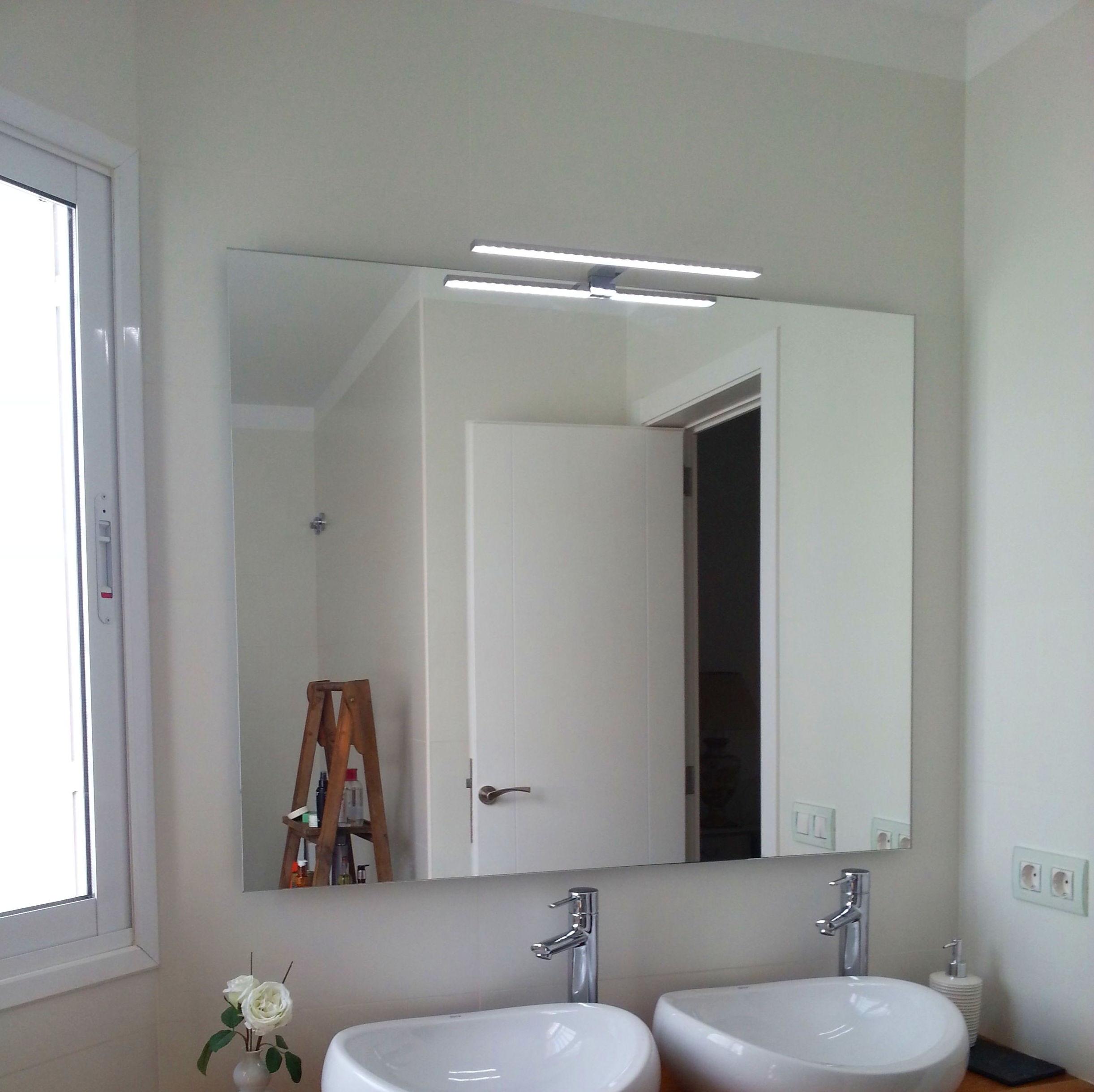 Iluminacion led un toque perfecto para crear un ambiente moderno y calido.